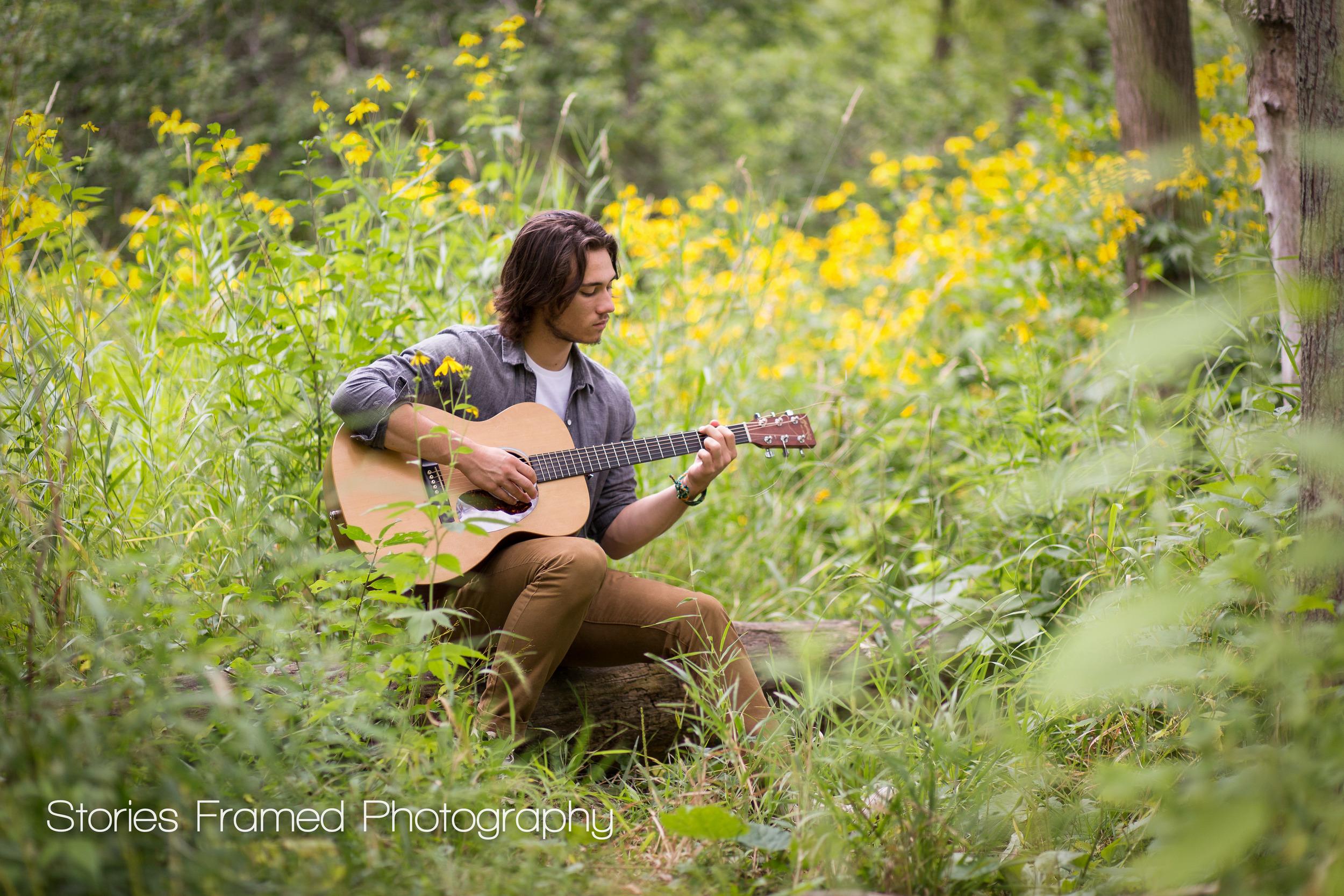 Wauwatosa-Senior-Photography-Tosa-West-Jacob-guitar-02