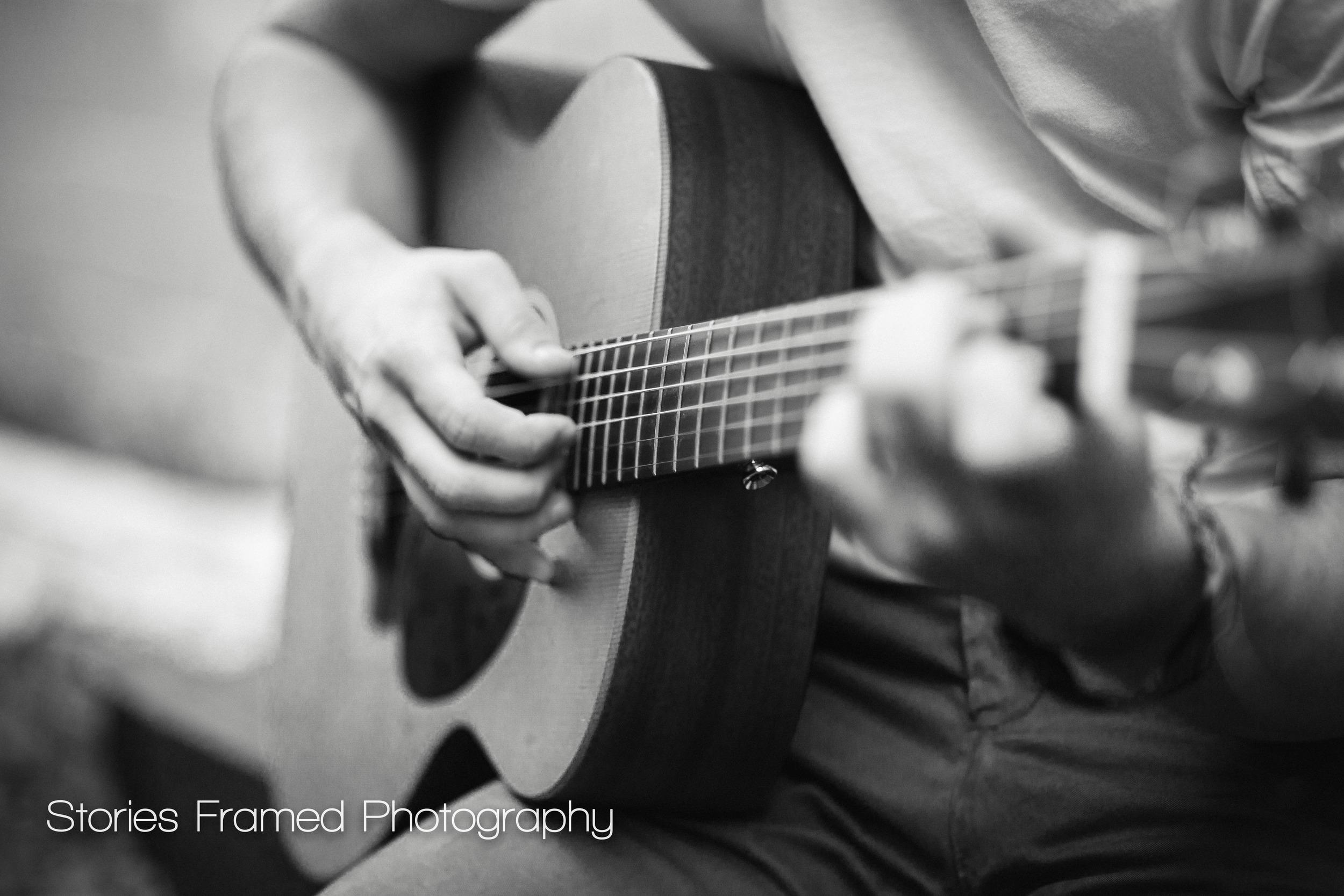 Wauwatosa-Senior-Photography-Tosa-West-Jacob-guitar-03