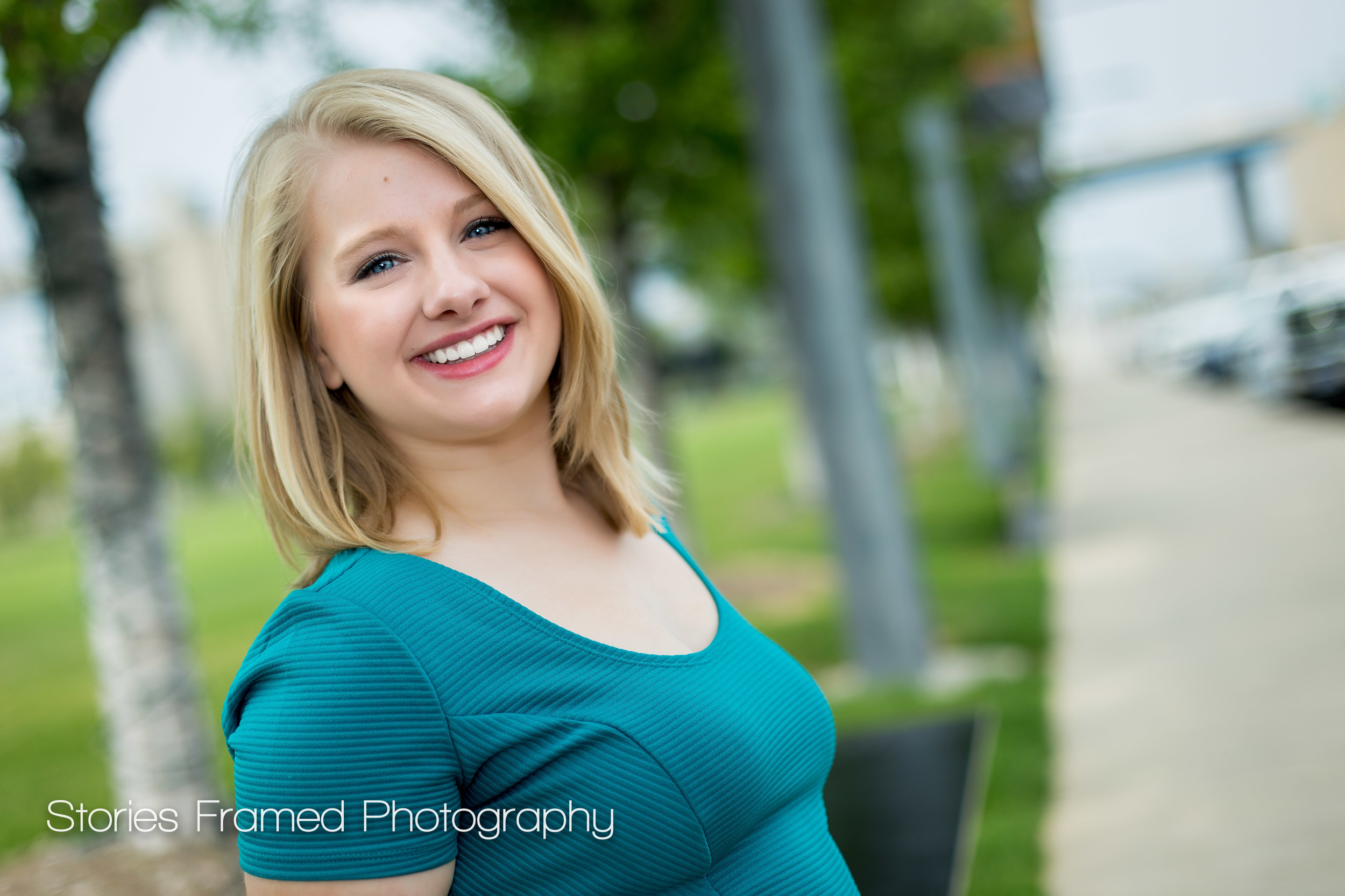 Wauwatosa-East-Senior-Portrait-class-of-2016-Amelia