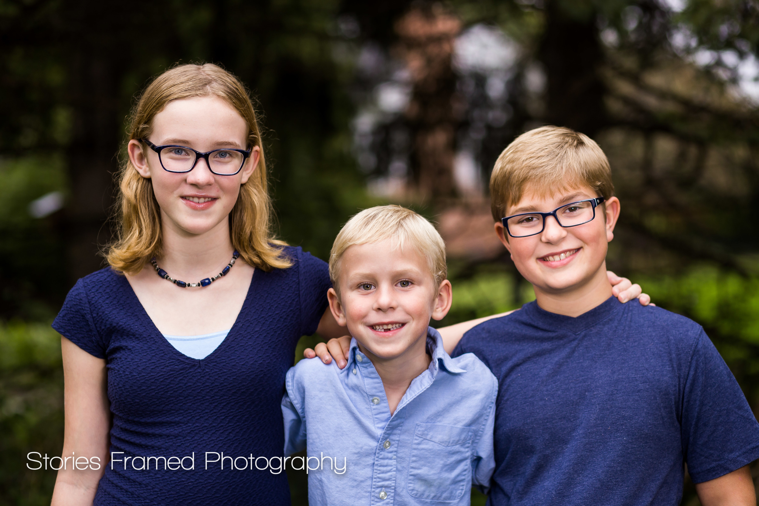 Brookfield-Child-Photography-three-siblings