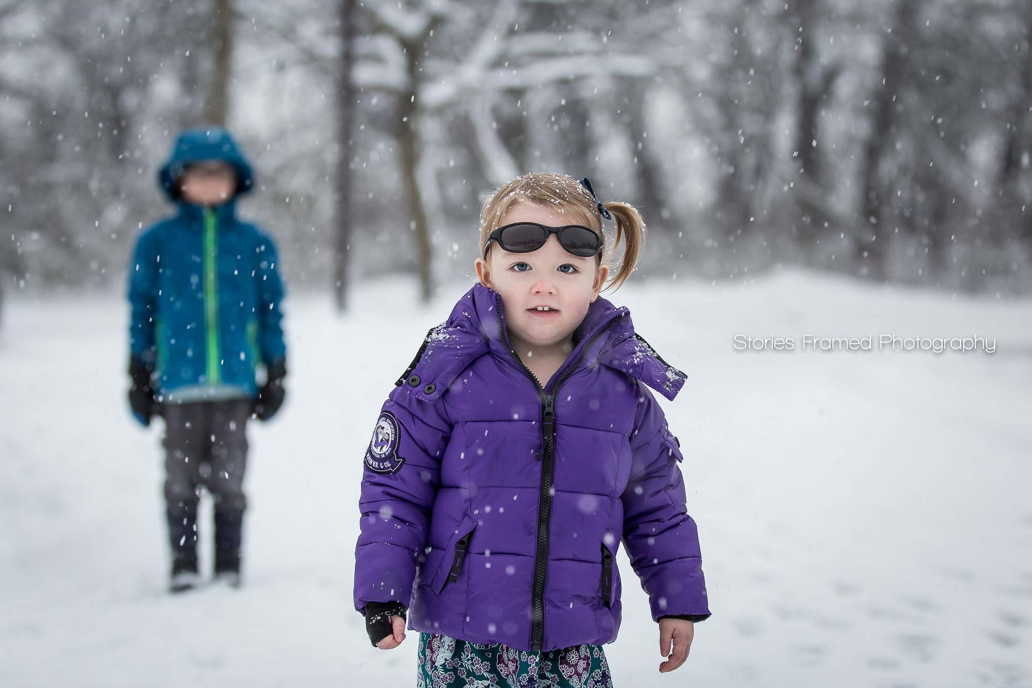 Gully-kids-playing-in-snow-Hoyt-Park