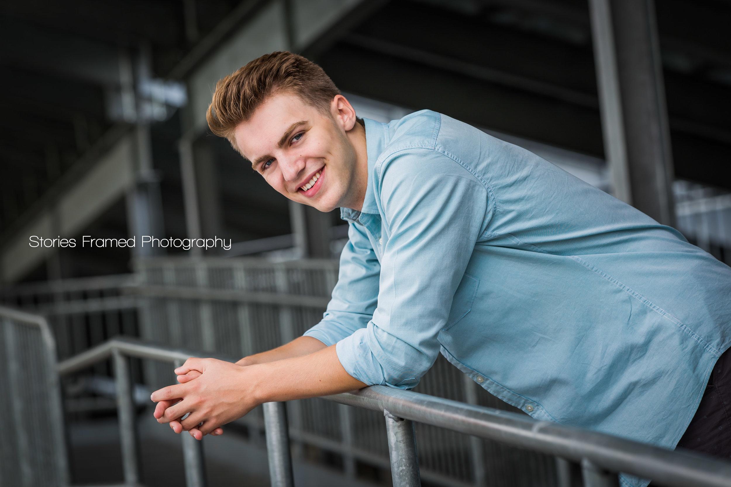 Joey-Greenfield-classof2017-seniorportraits-04.jpg