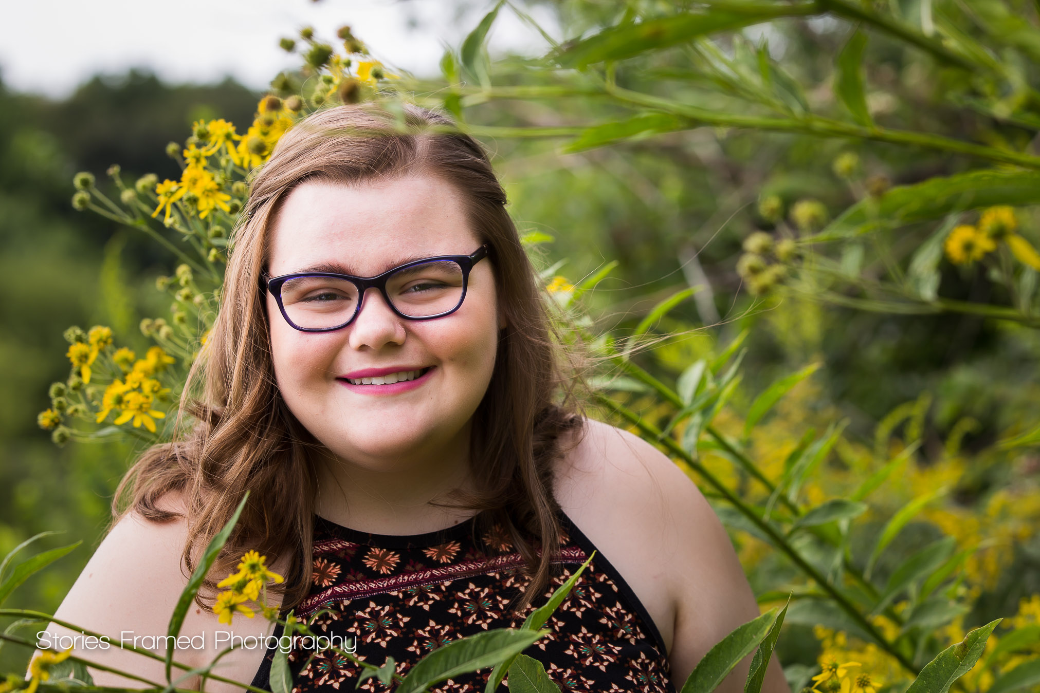 Senior-Photos-Illinois-park-flowers