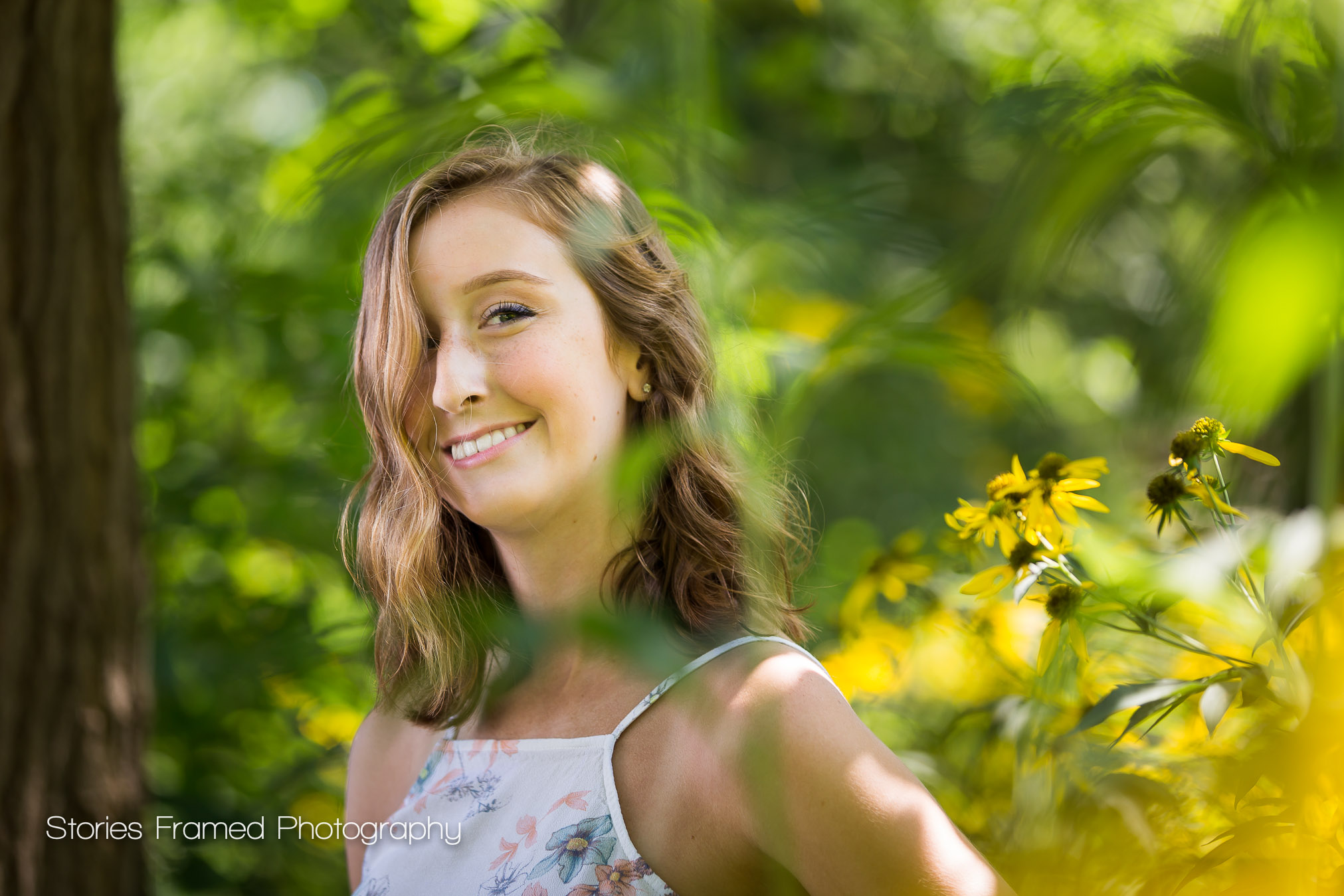 Tosa-East-HS-senior-portraits-flowers-Sydney