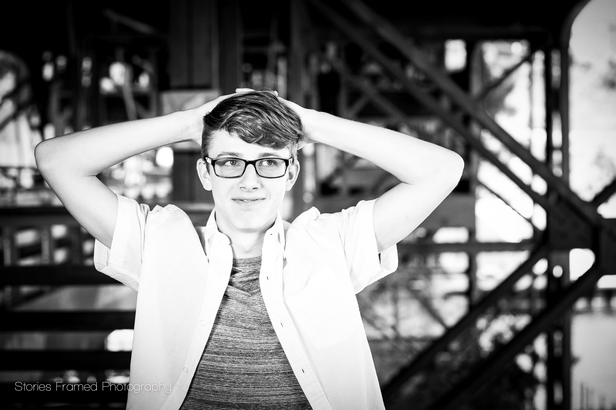 black-and-white-MKE-senior-photo