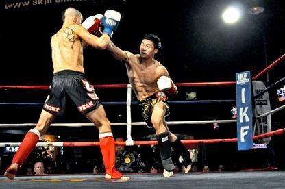 Acosta fight & punch.jpg
