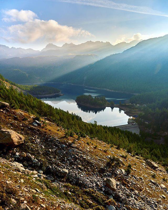 Il lago di Codelago, questa mattina. Serve aggiungere altro?