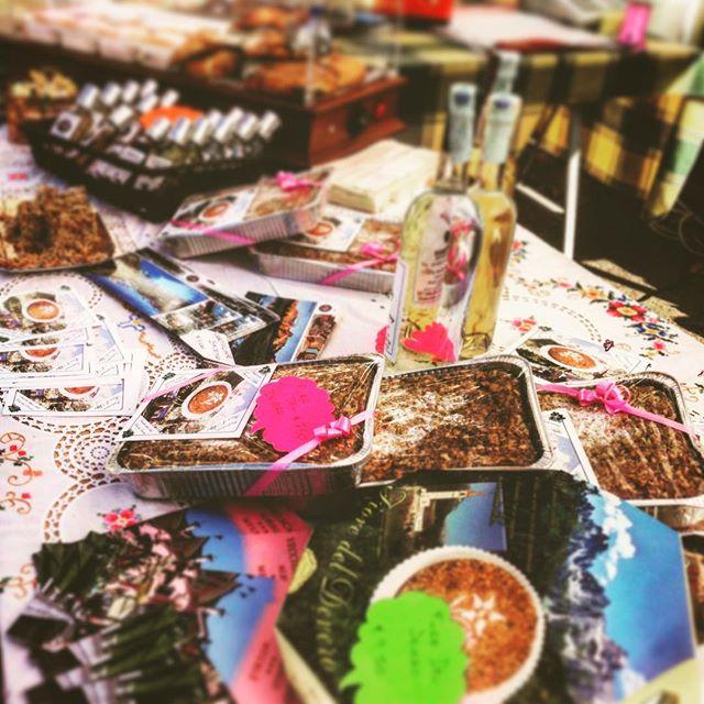 In questi giorni ci trovate in sagra! #baceno #sagra #melemiele #sagramelemiele #2015 #antigorio #ossola #devero #formazza #italy #italia #food #cibo #torta #sweety #cake #montagna #mountains #lagomaggiore #valleantigorio #honey #apple #vecchioscarpone #sun #sole #autunno