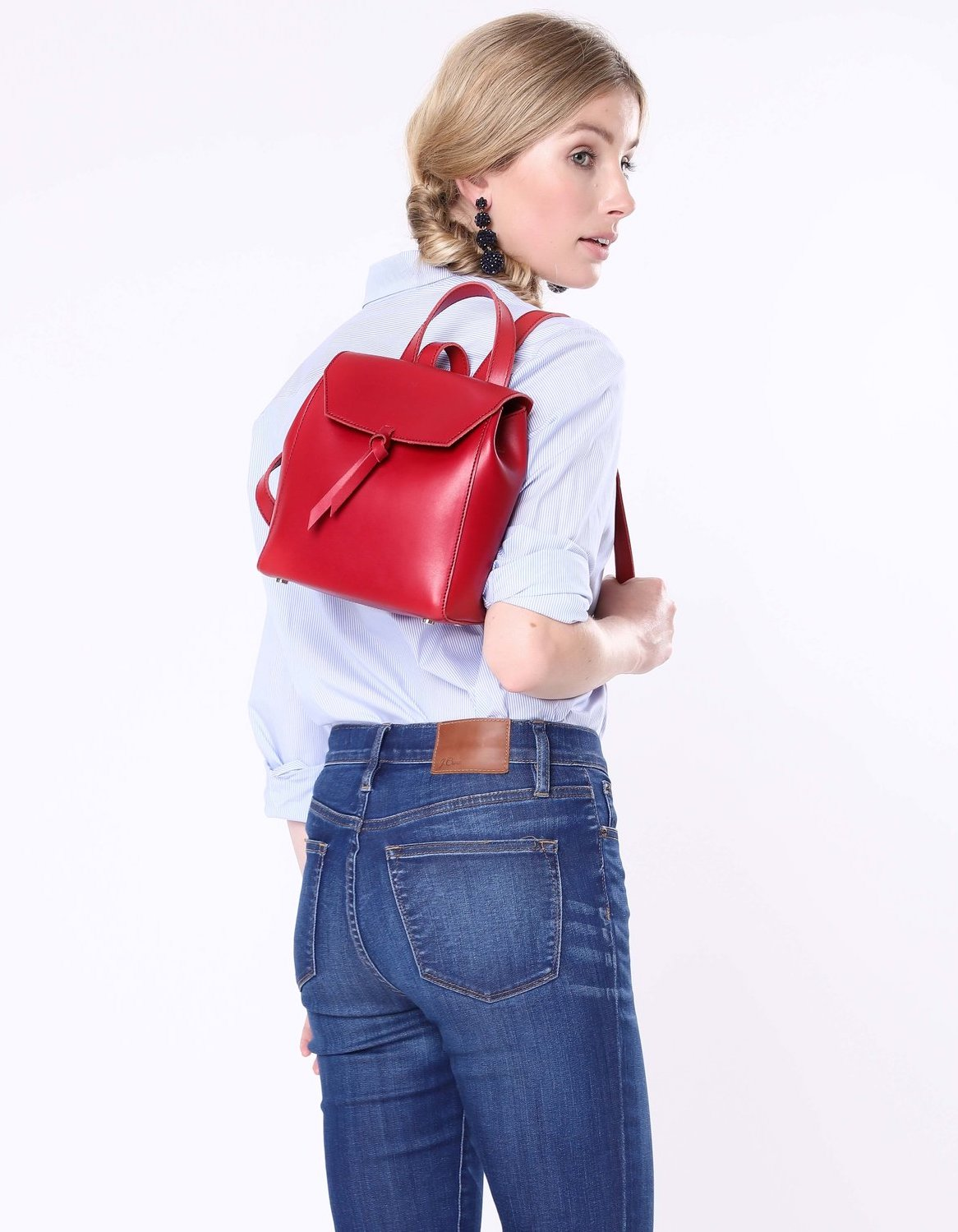 Alexandra+de+Curtis_Mini+Backpack+Red+square.jpg