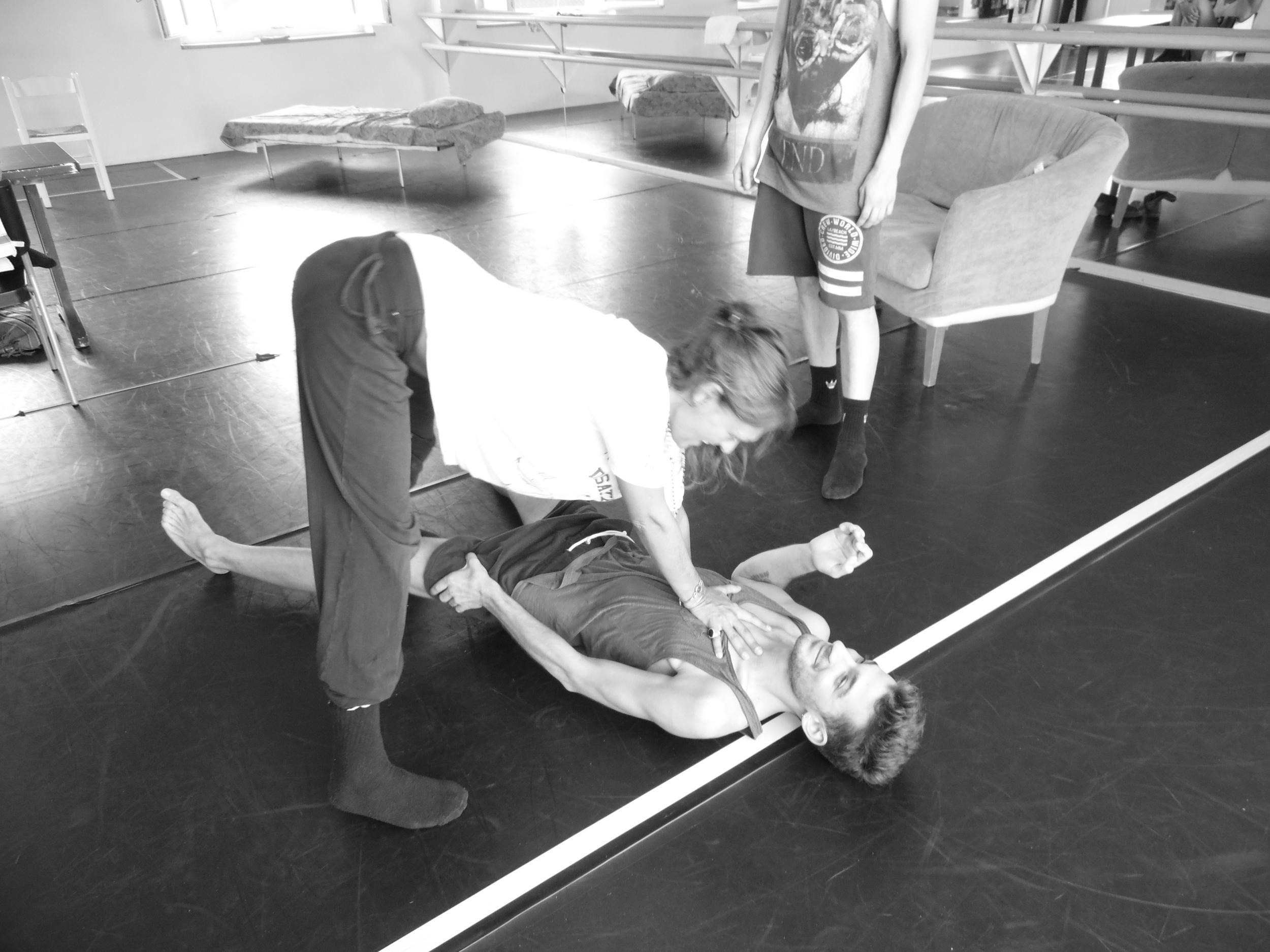 """- Inizia gli studi al """"Centro d'arte coreografica di Loredana Venchi"""" a Verona. Prosegue gli studi di aggiornamento di danza con il Maestro Peter Van der Sloot, Cinzia Vittone, Maurizio Tamellini, Fabrizio Monteverde, Giorgio Zecchi, Mauro Astolfi, Corinne Lanselle, Mia Molinari e altri coreografi di fama internazionale. Dal 1999 dirige la scuola di danza """"Les petits pas"""" svolgendo anche il ruolo di insegnante e coreografa.Consegue gli attestati di frequenza al corso S.I.M.E.O.S. """"La didattica dello Schulwerk di Carl Orff e il suo valore pedagogico"""", al corso introduttivo alla Danza Educativa condotto da Franca Zagatti presso il Musikè di Bologna (diventa socia della DES Associazione Nazionale Danza Educazione Scuola presso l'Università degli Studi di Bologna) e al seminario intensivo di Danza Terapia.Dal 2004 al 2007 conduce stage estivi di danza nella provincia di Trento.Dal 2007 al 2009 insegna danza presso il Teatro Stabile di Verona.Dal 2008 lavora come coreografa per il corpo di ballo da lei formato, Les Petits Pas."""