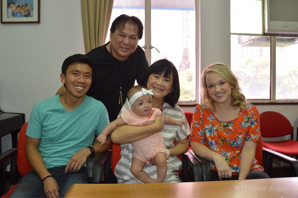 Fei_Fei_With_Parents_And_CAA.jpg