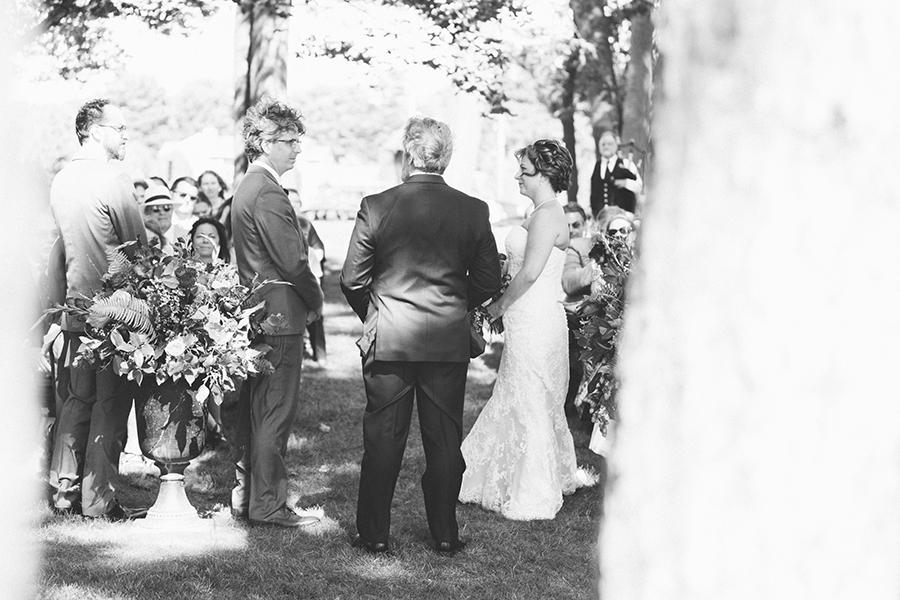 claire&garrettwedding_05.jpg