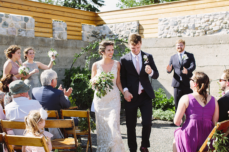 emily&andy-thecompasspointshere_013.jpg