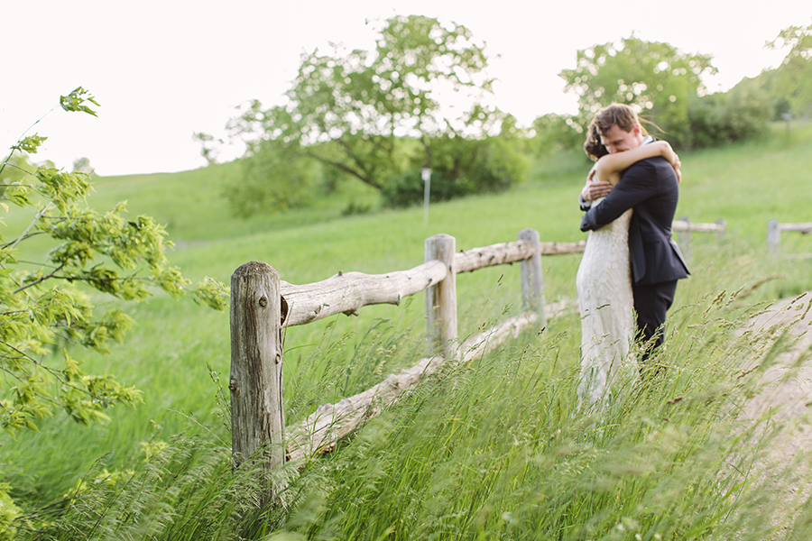 emily&andy-thecompasspointshere_016.jpg