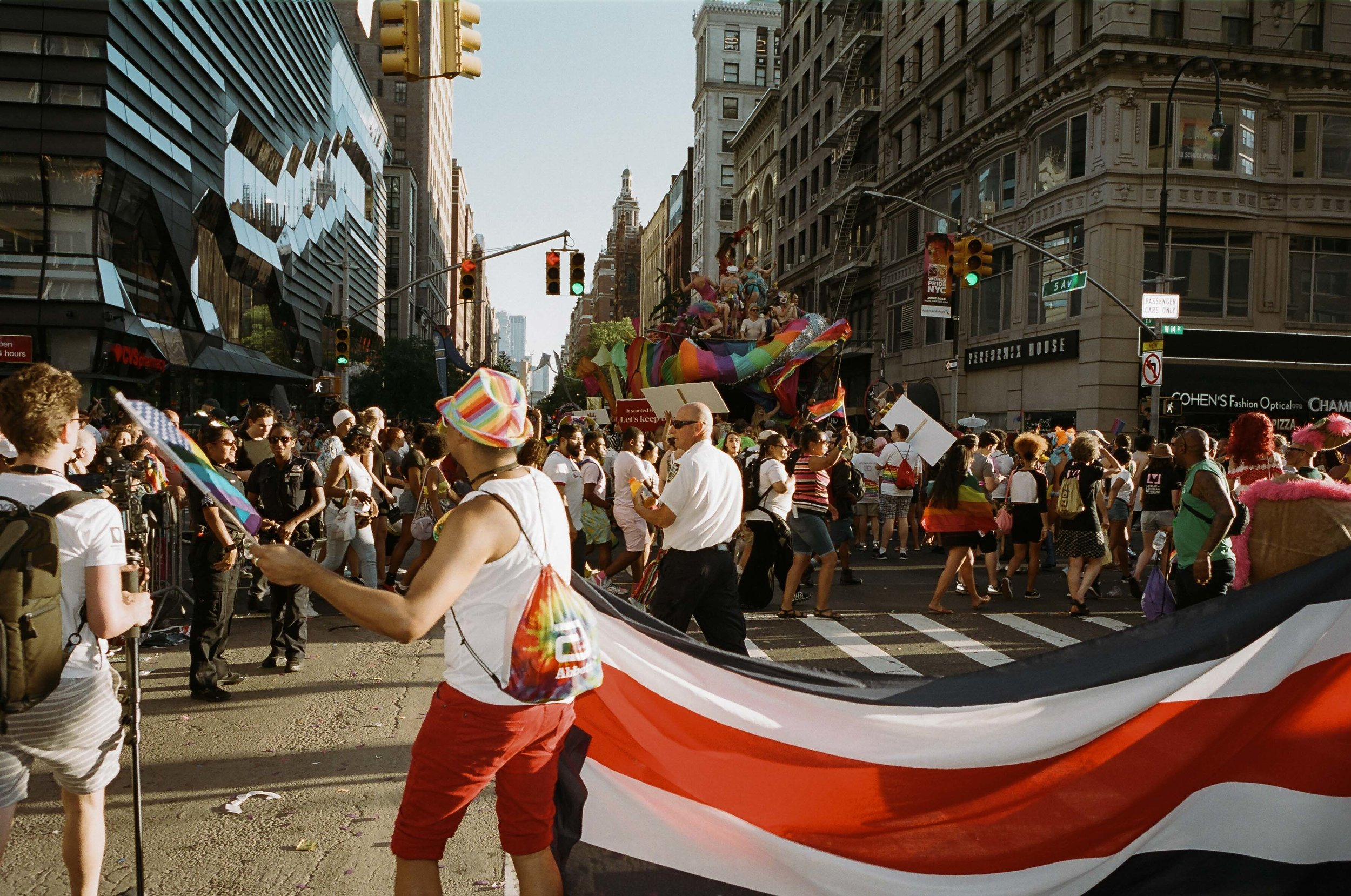 35Portra400-PrideDay2019-01.jpg