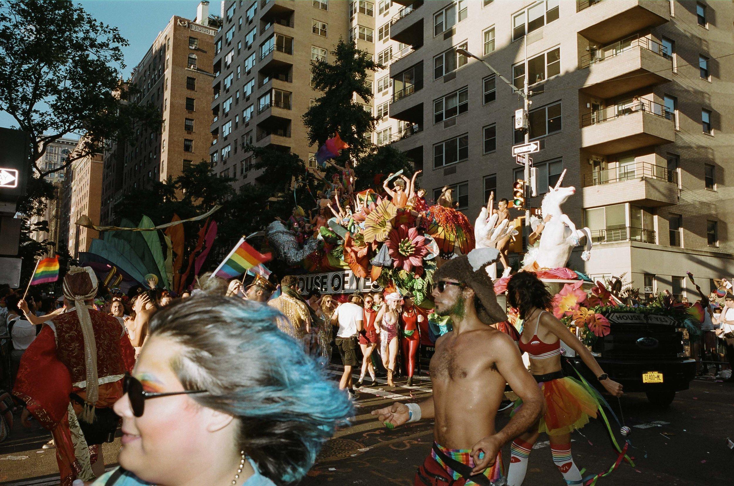 35Portra400-PrideDay2019-20.jpg