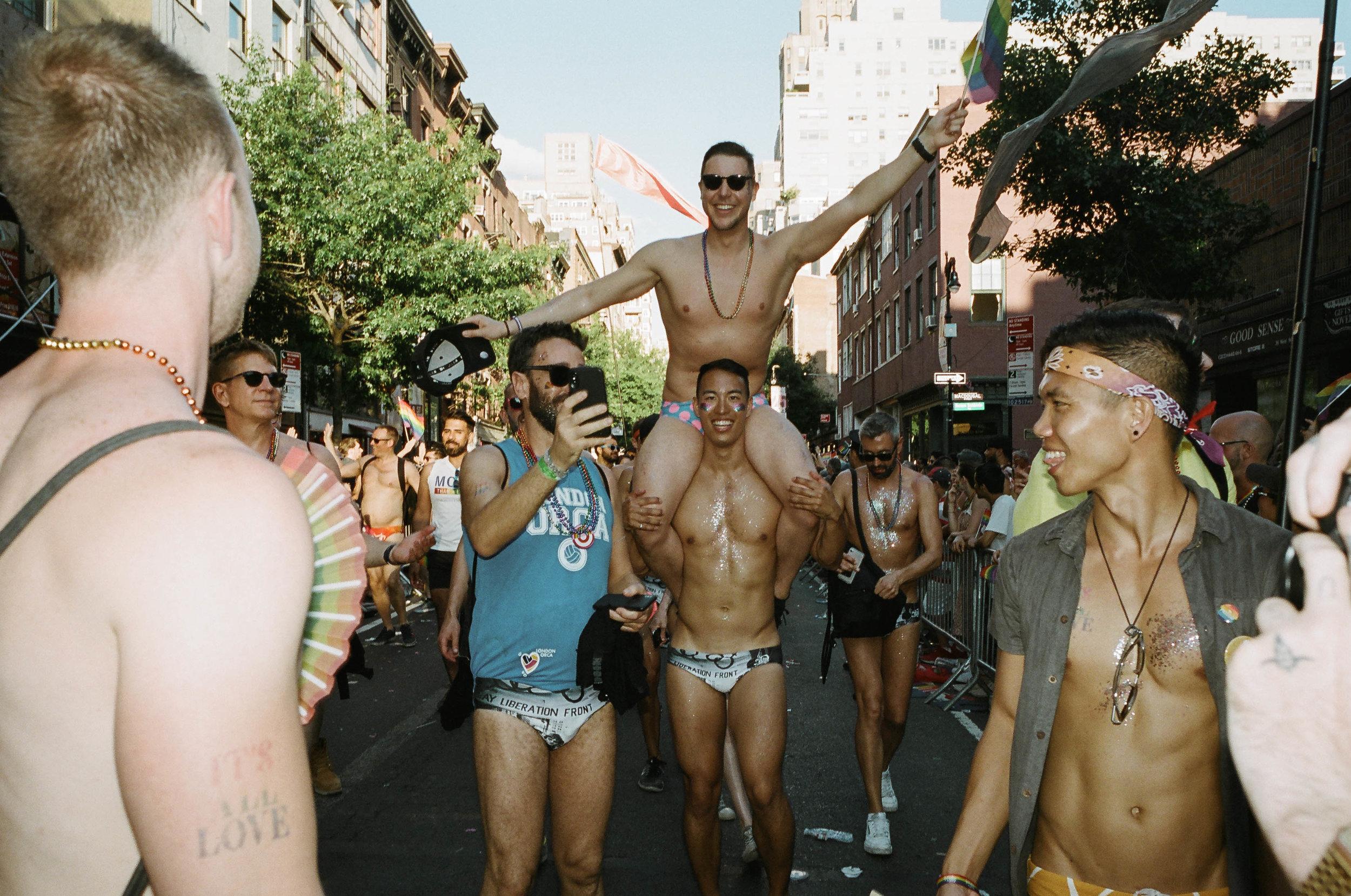 35Portra400-PrideDay2019-28.jpg