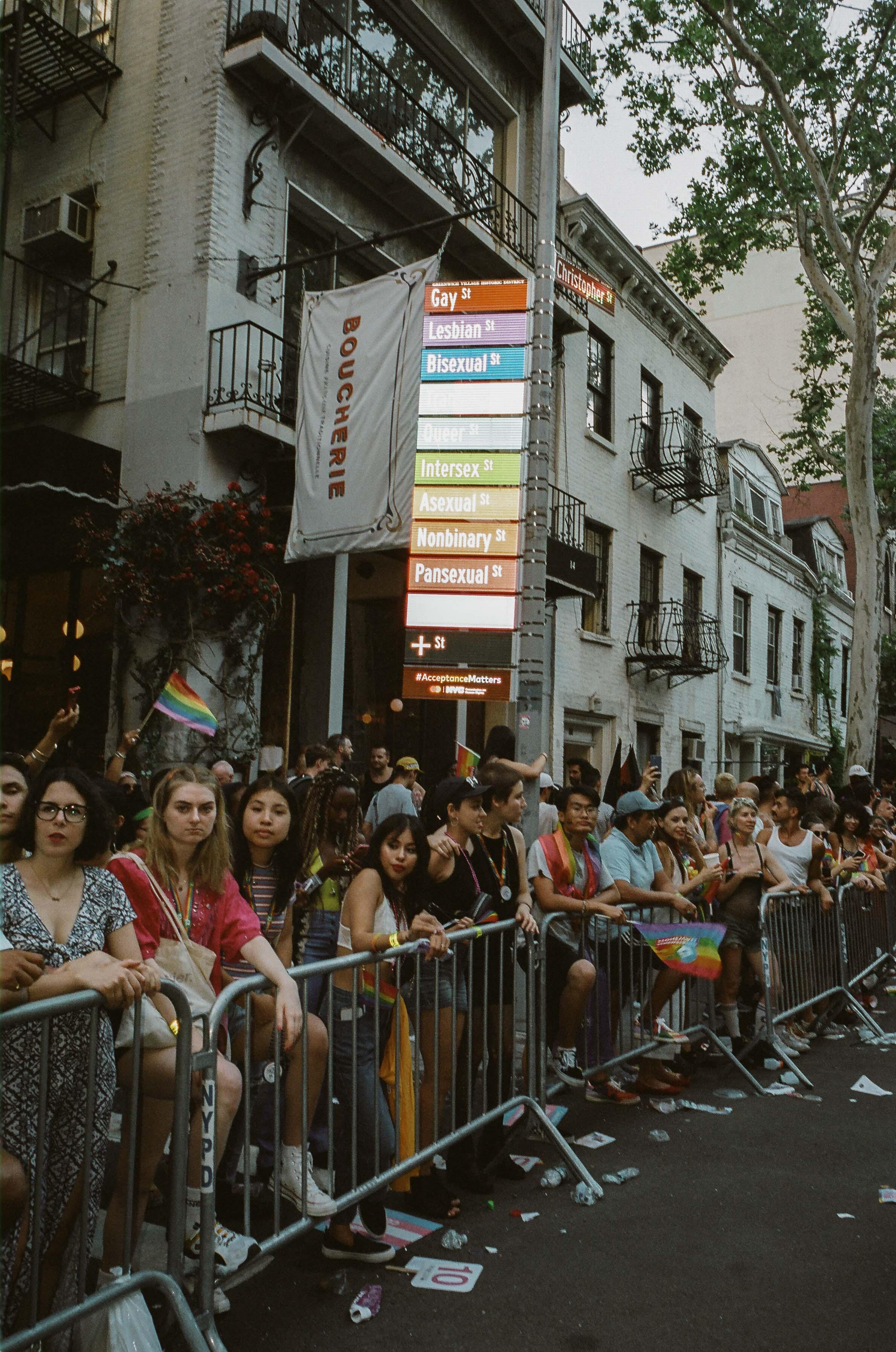 35Portra400-PrideDay2019-35.jpg