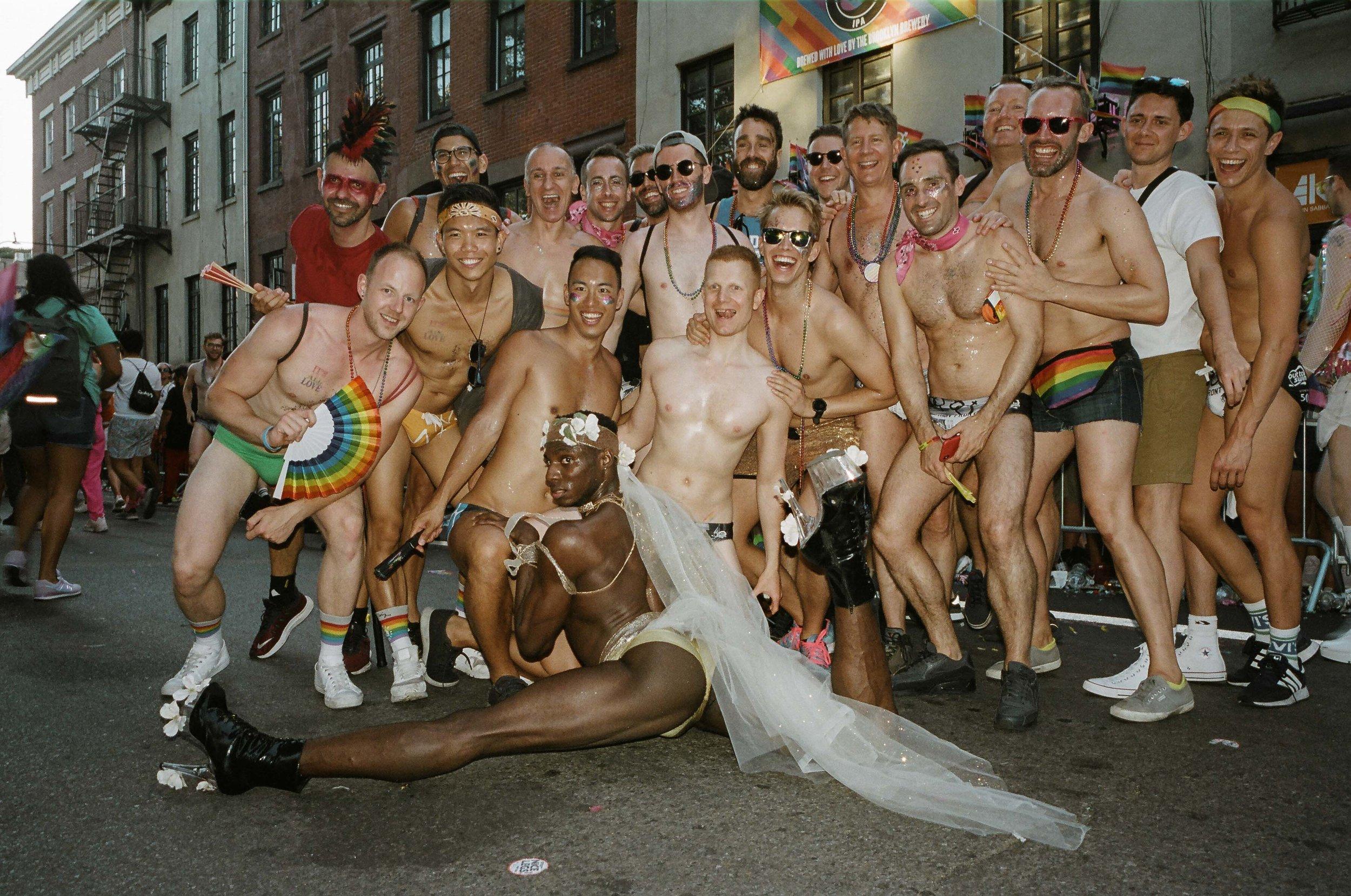 35Portra400-PrideDay2019-49.jpg