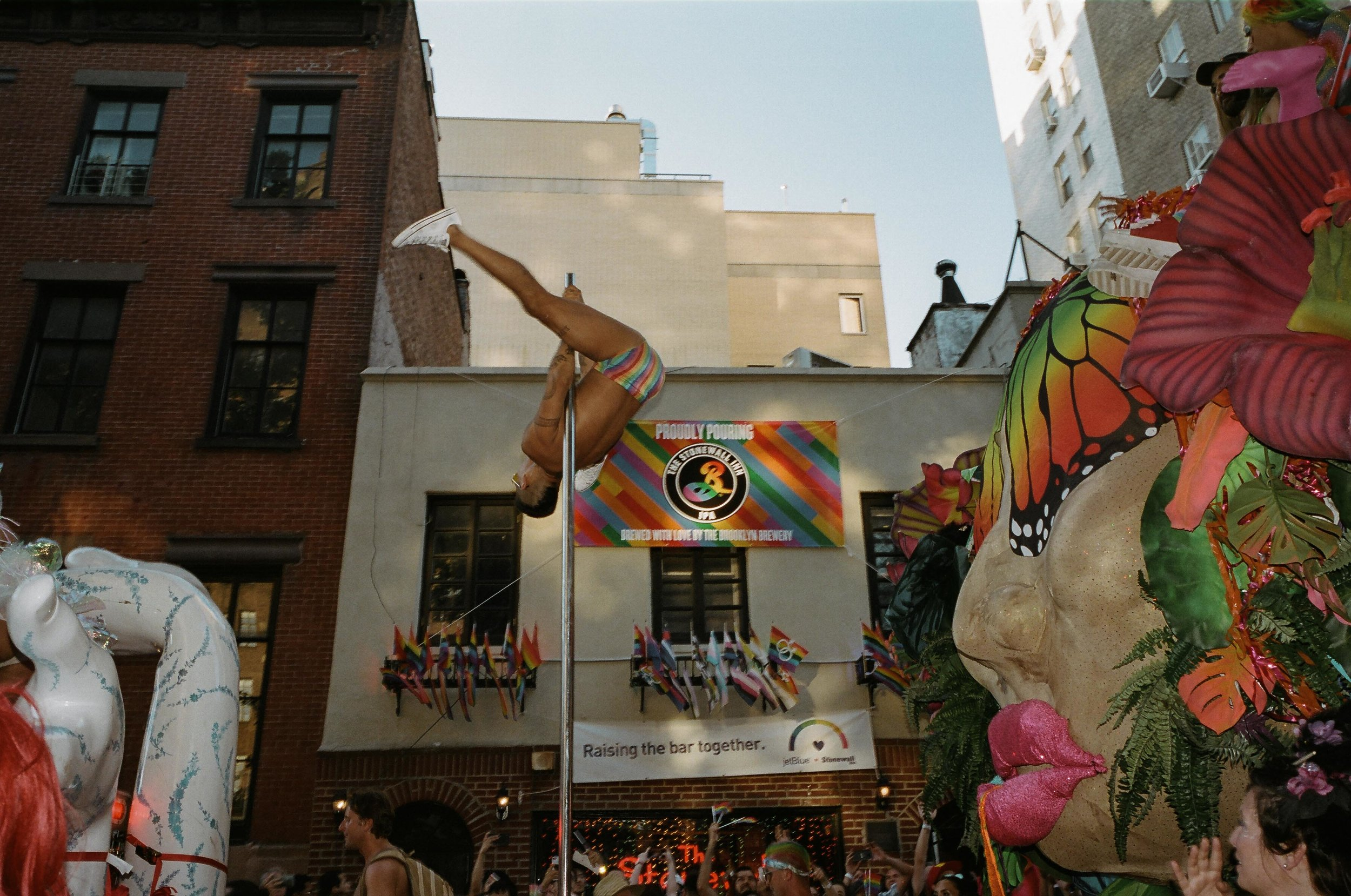 35Portra400-PrideDay2019-54.jpg