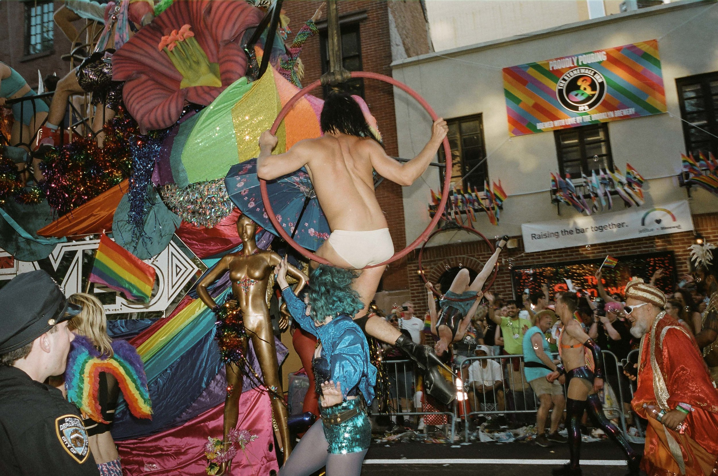 35Portra400-PrideDay2019-56.jpg