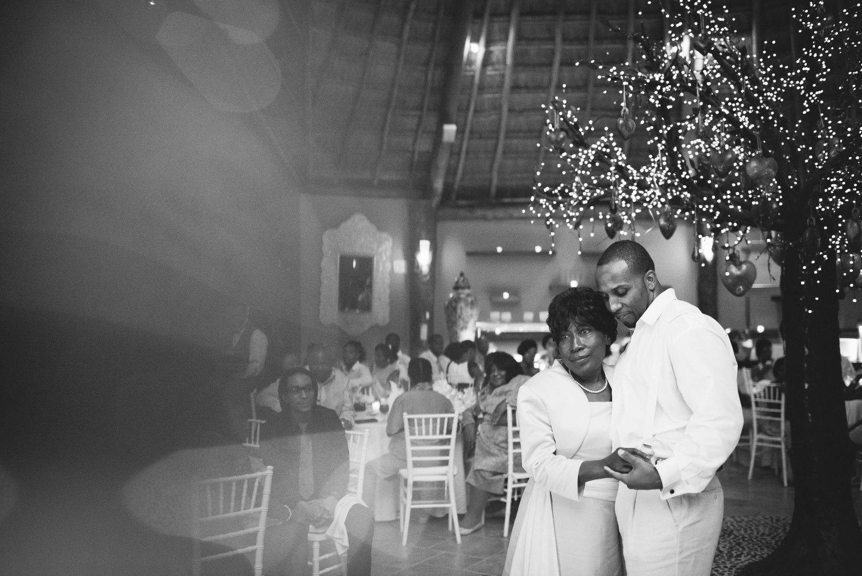 Dreams-Puerto-Adventuras-Wedding-Mexico-031.jpg