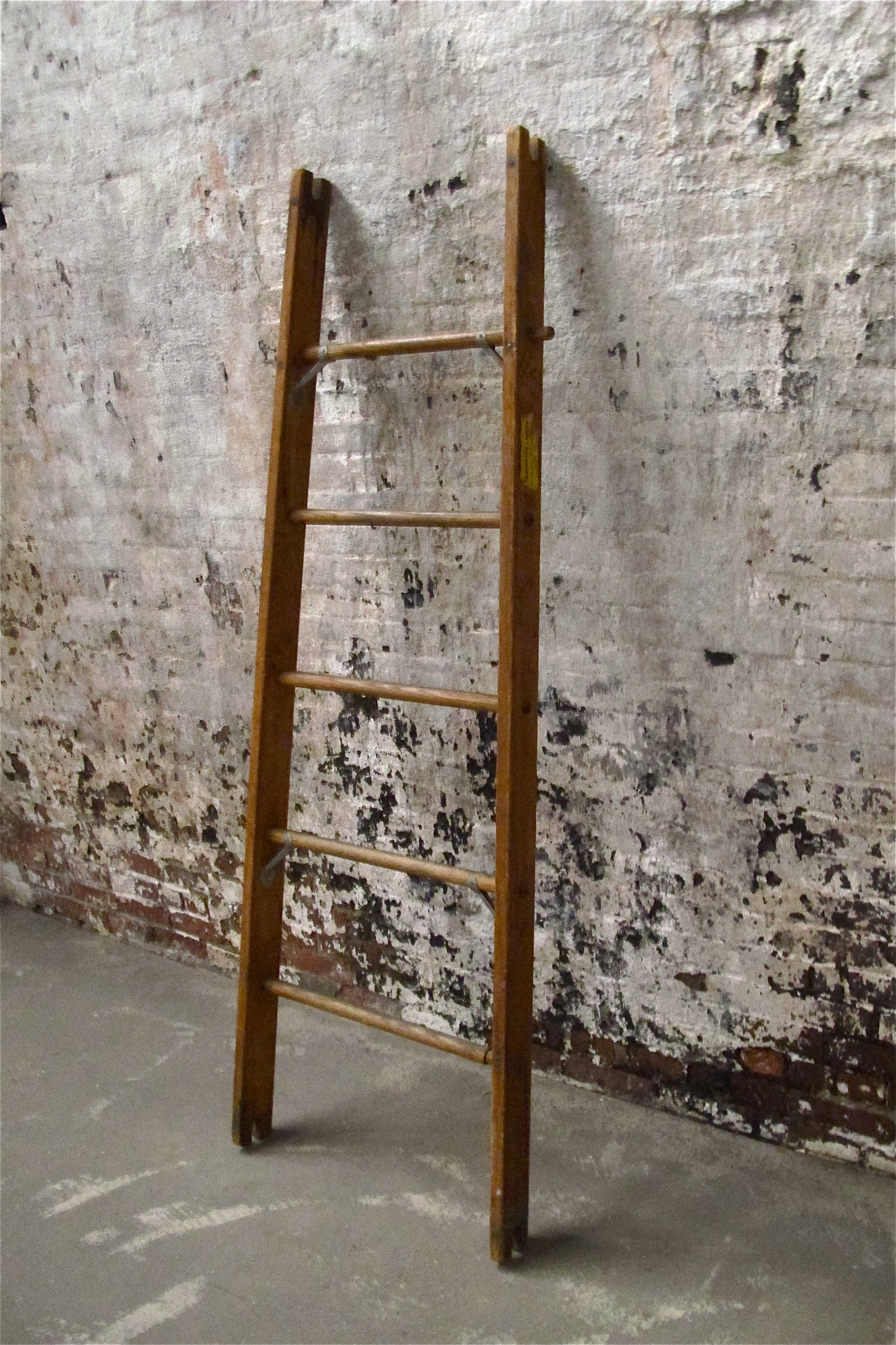 Brown Square 5-step Orchard Ladder $40