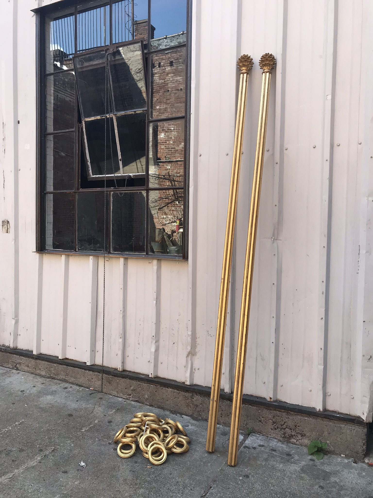 Ornate gold curtain rod with rings $45