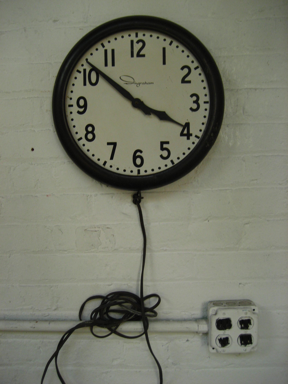 Ingraham Clock (Broken Hands) $35