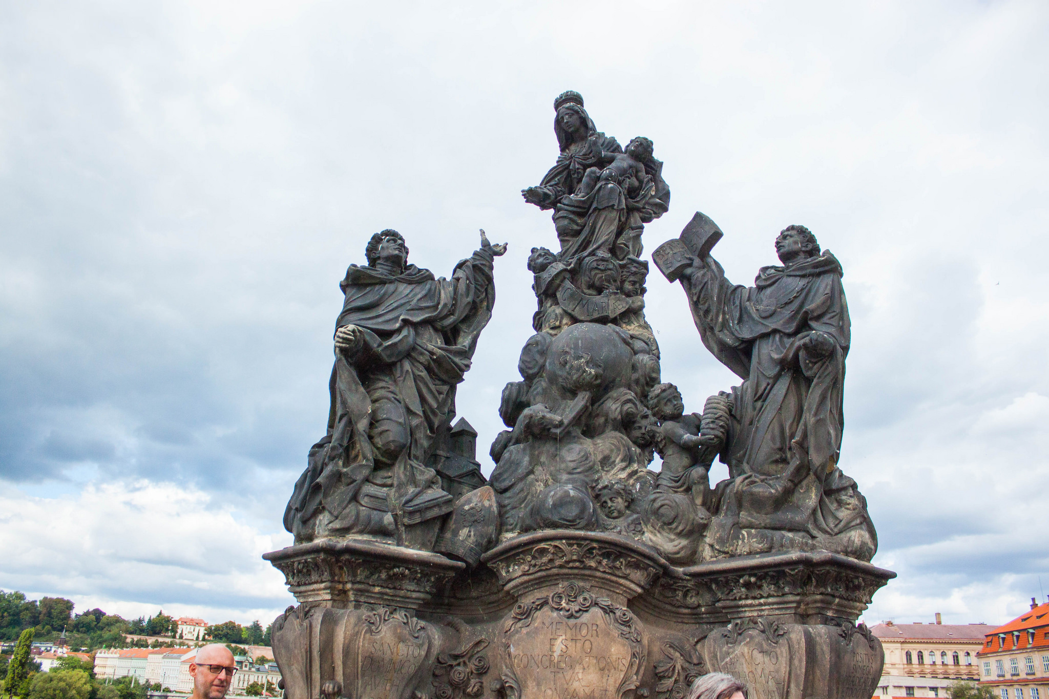 Guide to the Charles Bridge, Prague