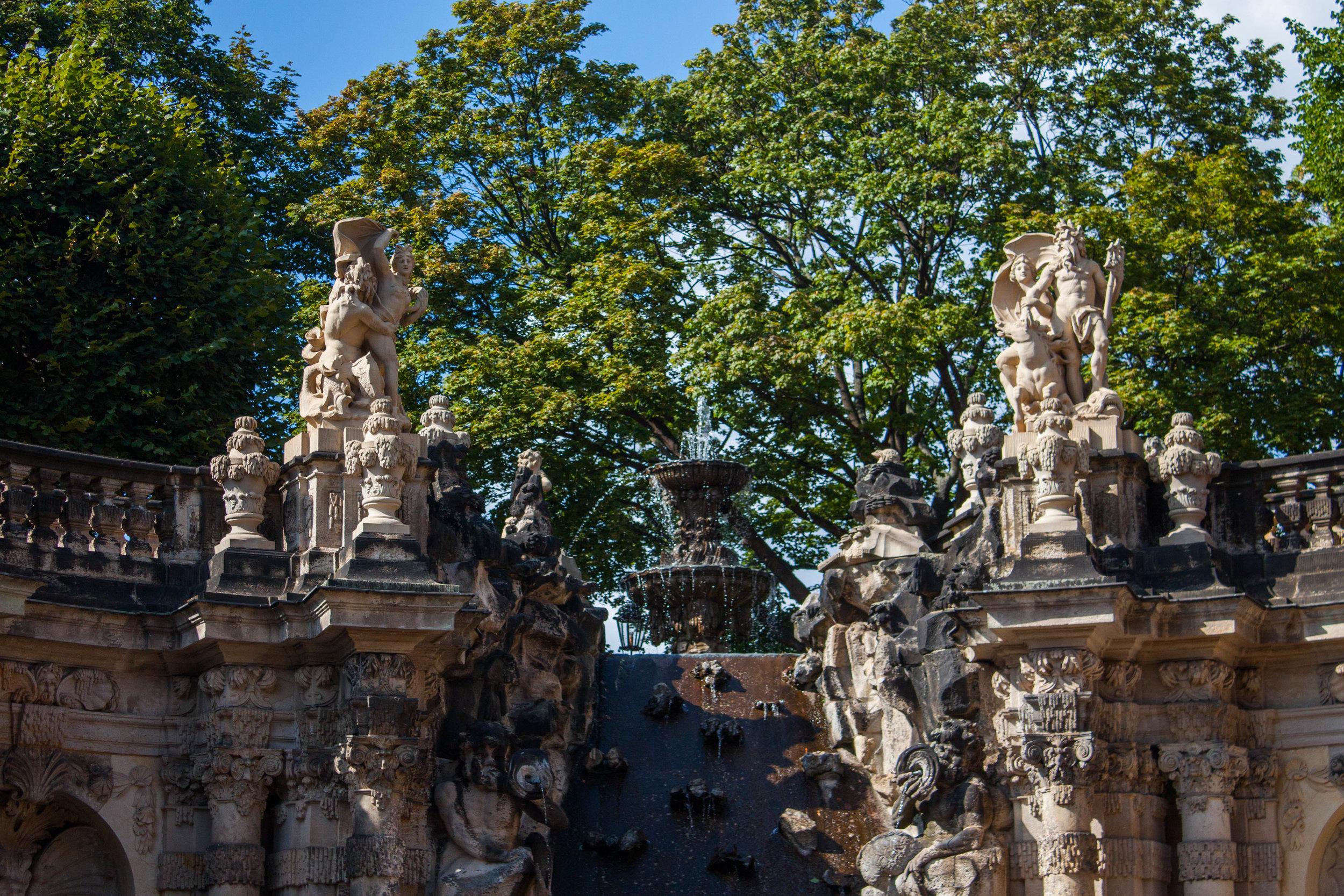 Tour of Dresden's Zwinger