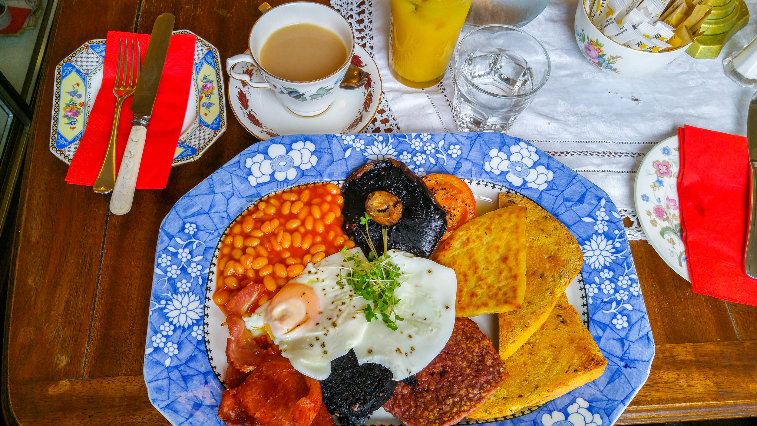 Traditional Scottish Breakfast at The Butterfly and the Pig, Glasgow
