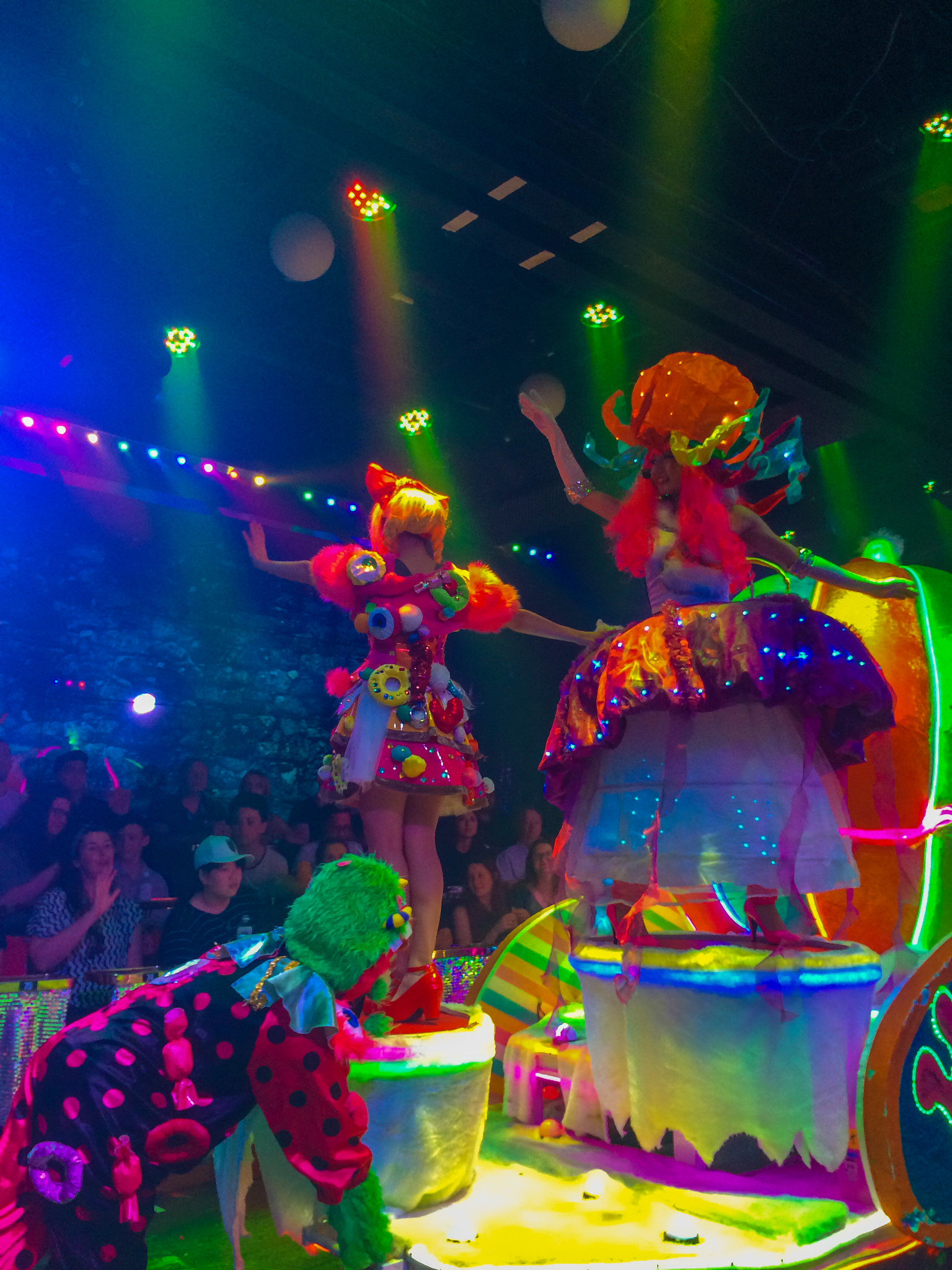 Tokyo Robot Restaurant ExperienceGuide to the Robot Restaurant Experience, the Most Exciting and Exhilarating Show in Tokyo
