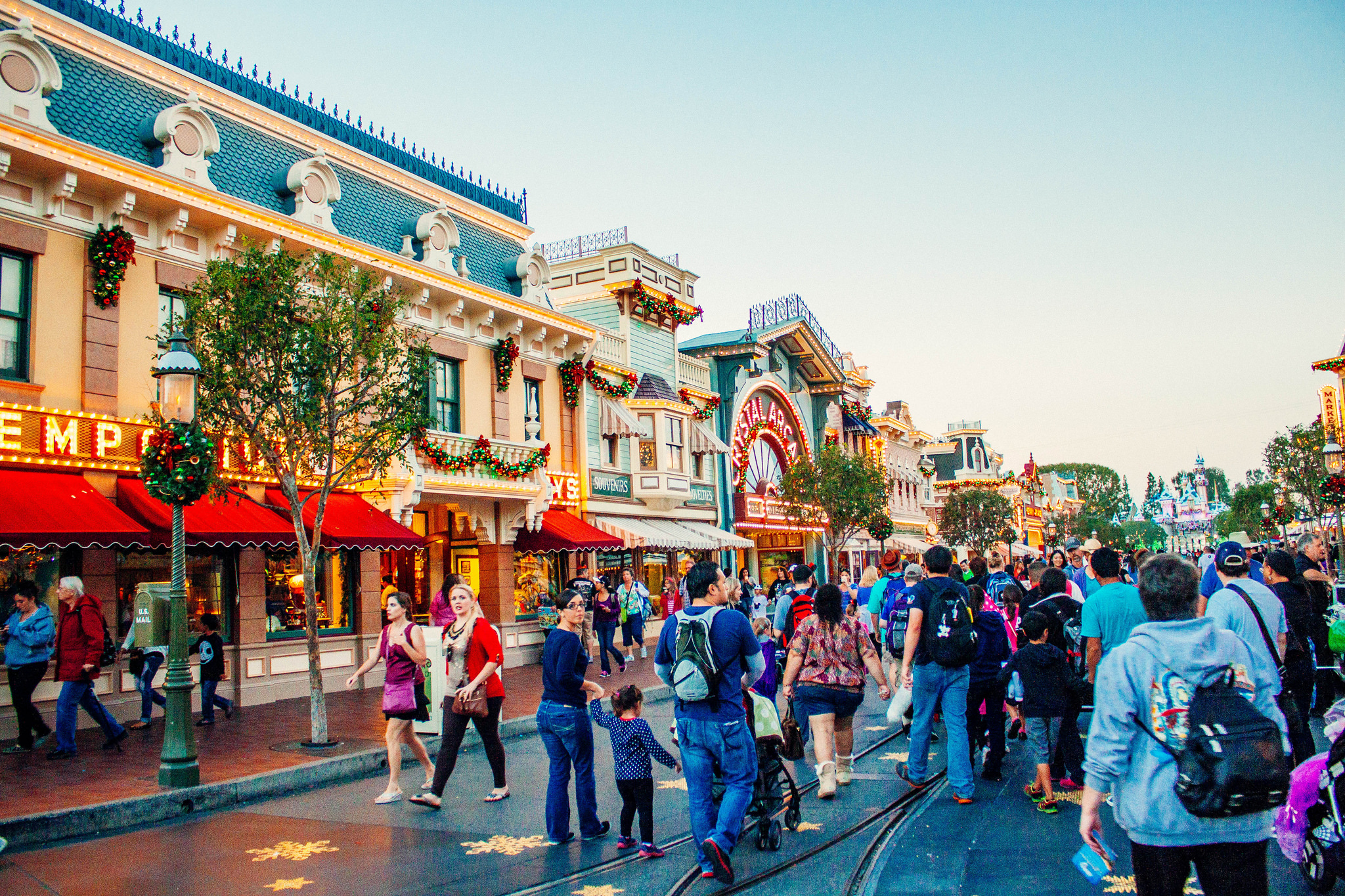 24 Hours in Disneyland at Christmas Time