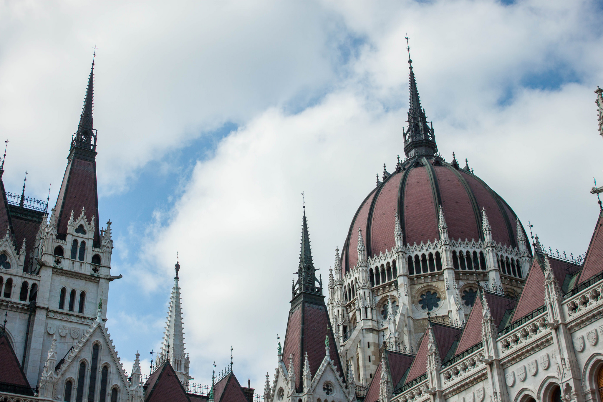 The Best Visitor's Guide to Budapest's Stunning Hungarian Parliament Building