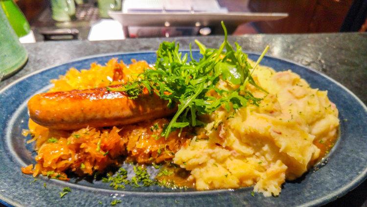 10+Foods+You+Must+Eat+In+Prague.jpeg