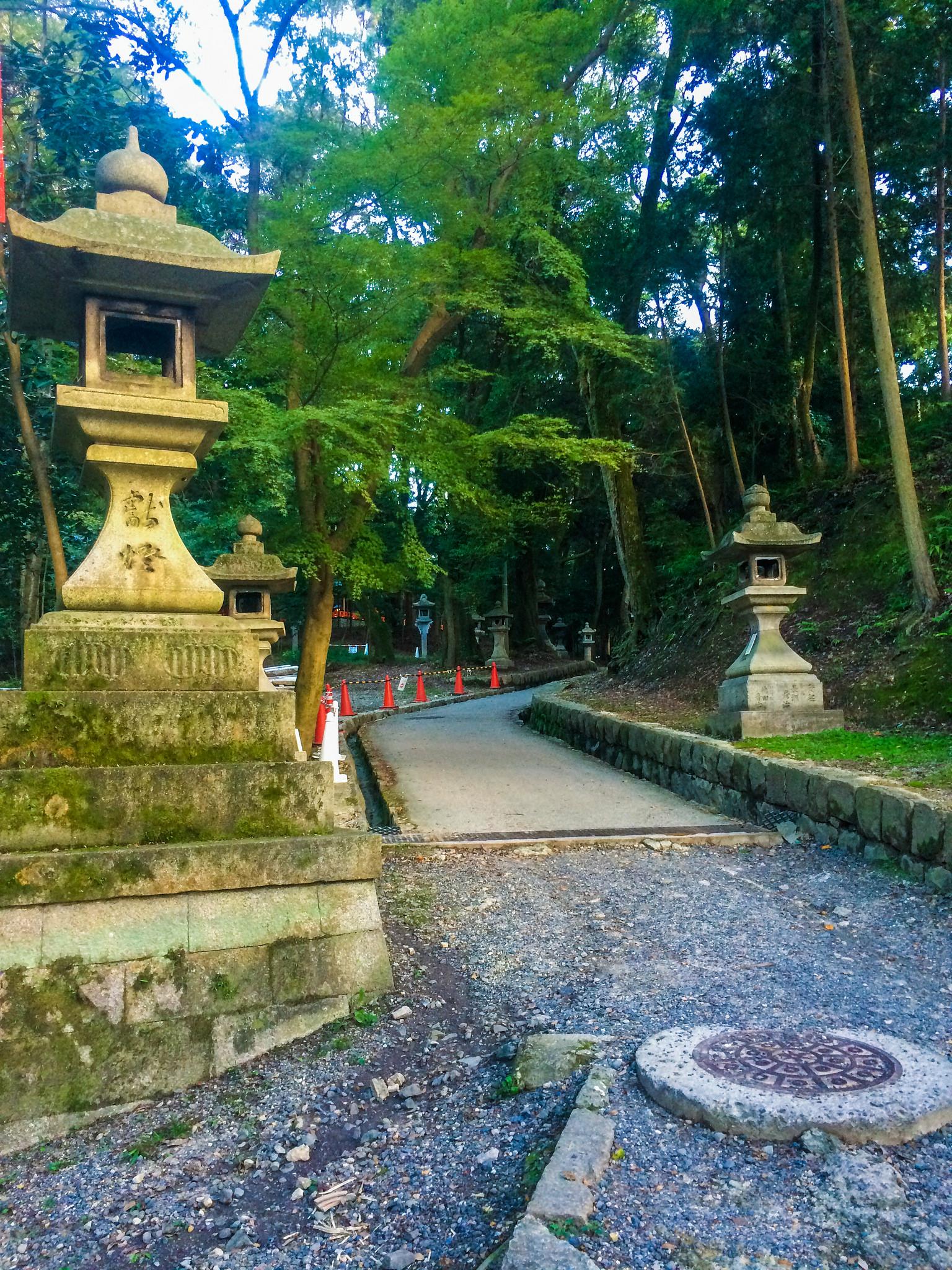 30284608321_6c0596b8b8_k.jpgThe Ultimate Walking Tour of Kyoto's Incredible Fushimi Inari Shrine's 10,000 torii gates