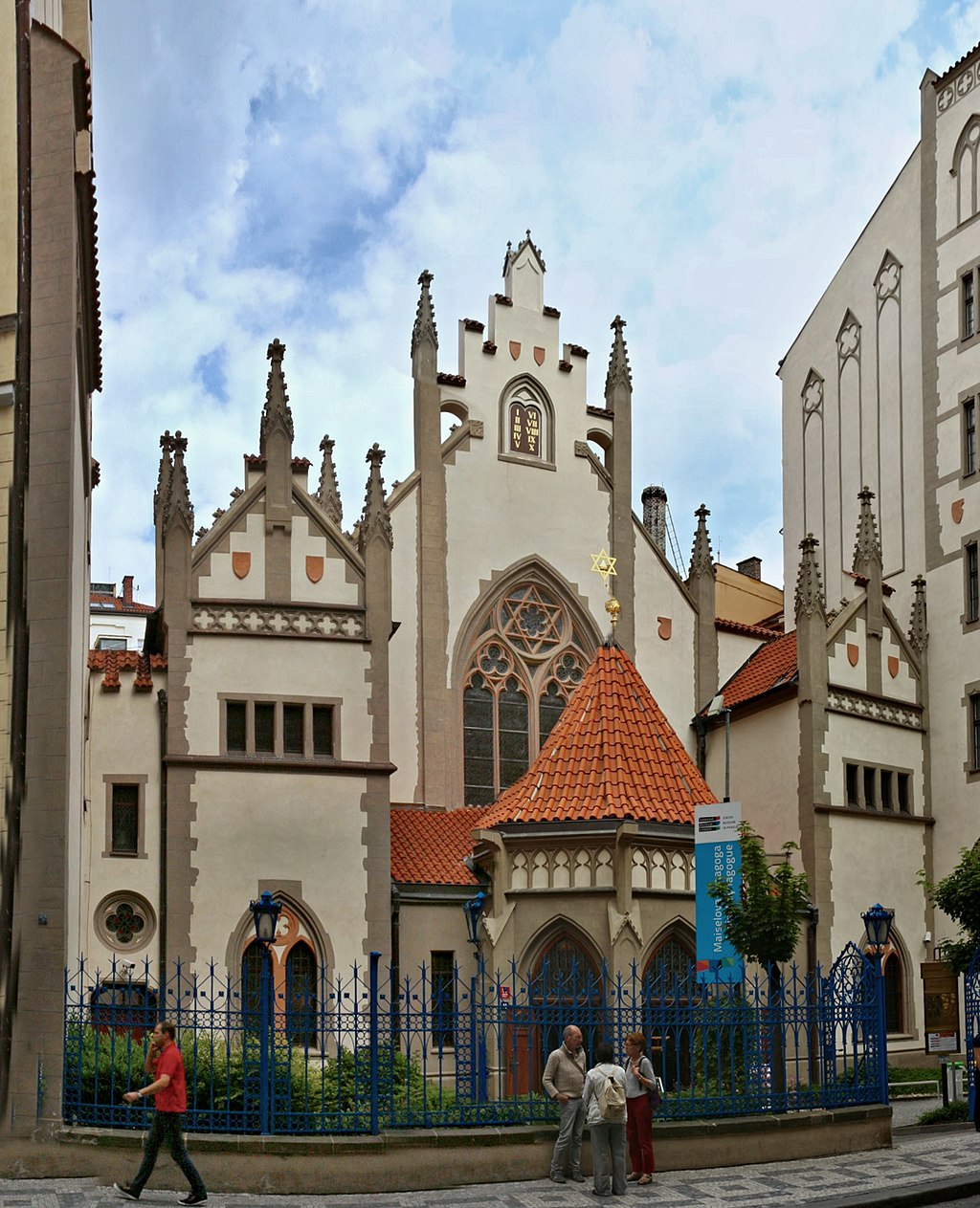 Prague's Jewish Quarter, Your Self Guided Walking Tour of the Best Things to See and Do in Josefov