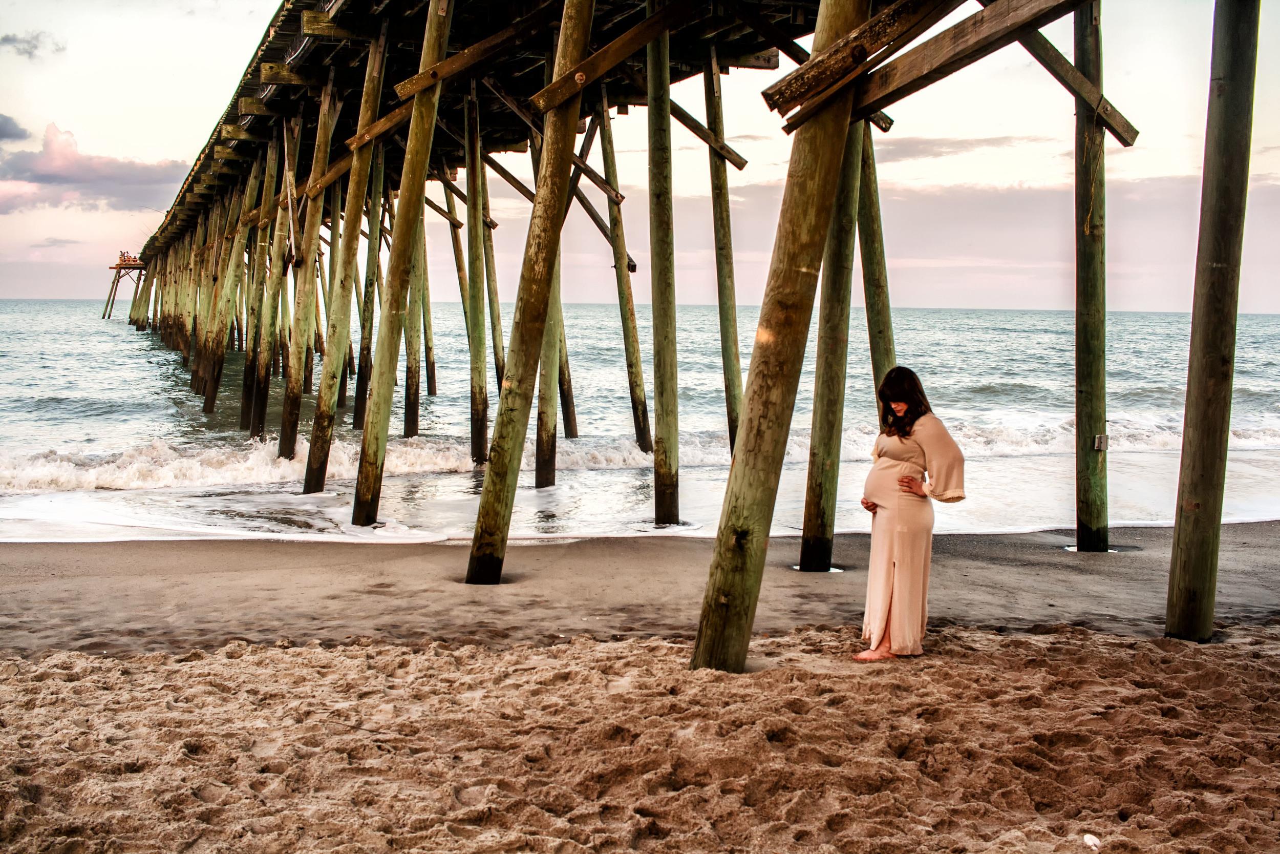 Kure_Beach_Maternity_Shoot_Tiffany_Abruzzo_Photography_27.jpg