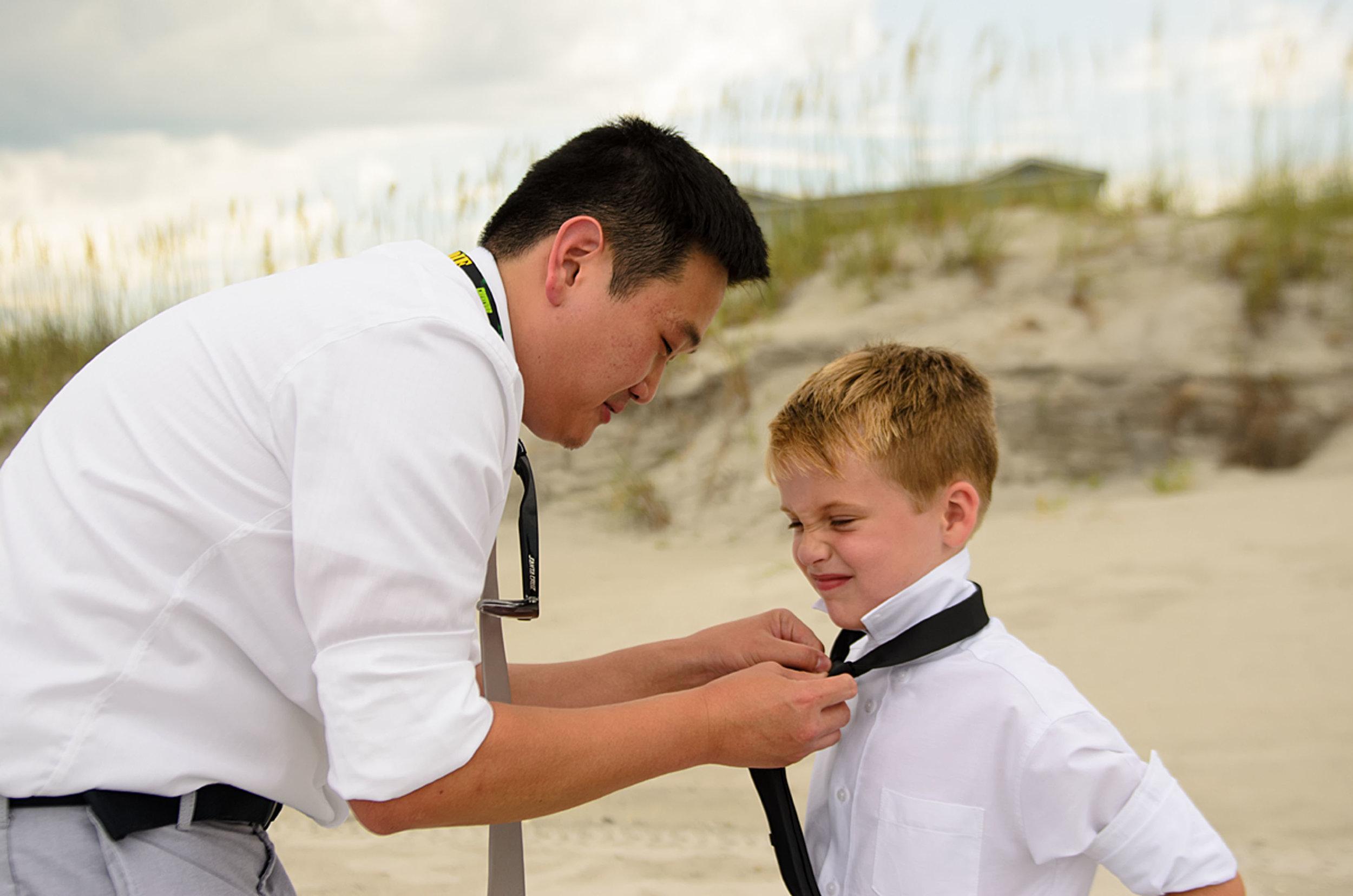 North_Carolina_Wedding_Photographer_Tiffany_Abruzzo_Ceremony_004.jpg