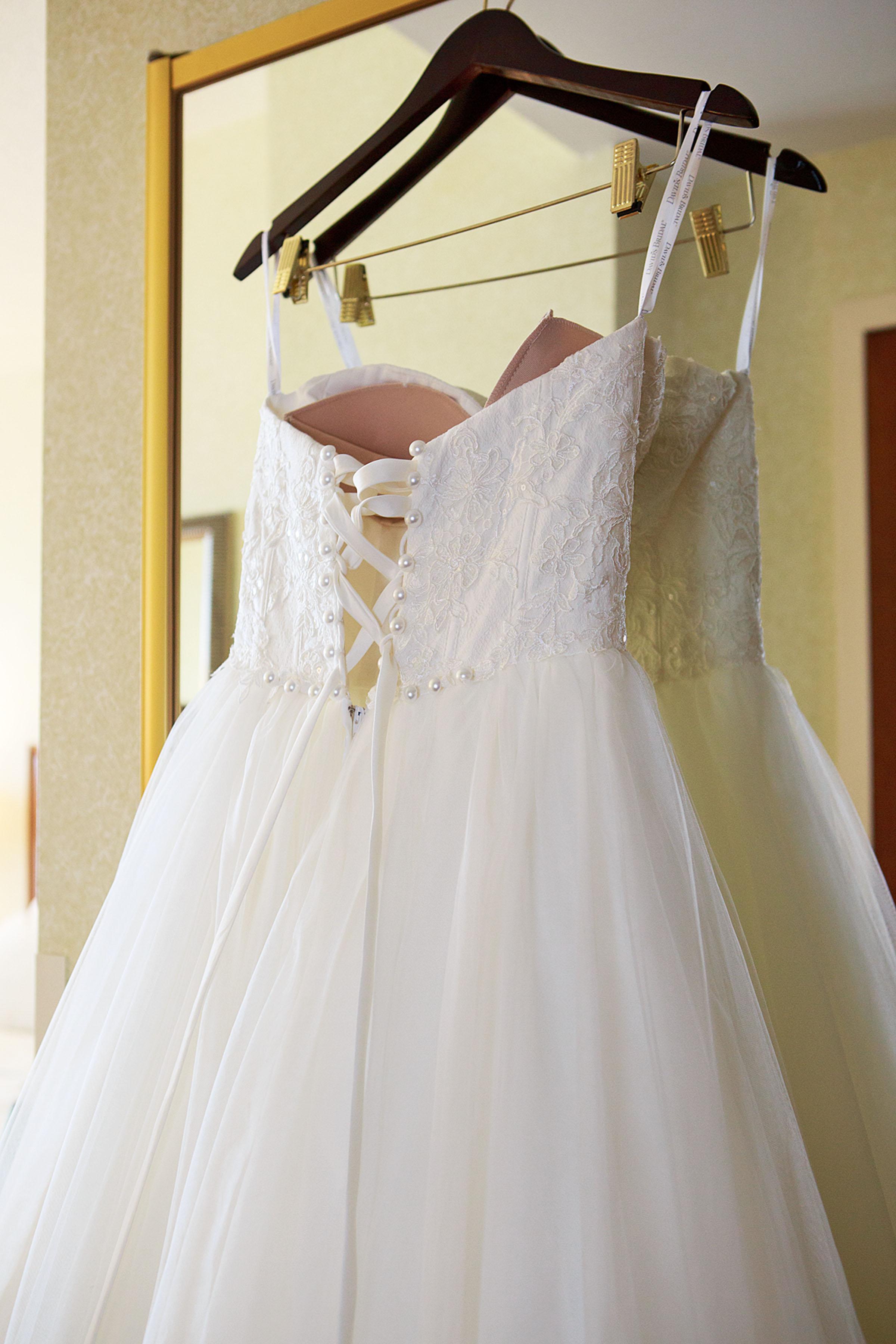 North_Carolina_Wedding_Photographer_Tiffany_Abruzzo_Girls Prep_013.jpg
