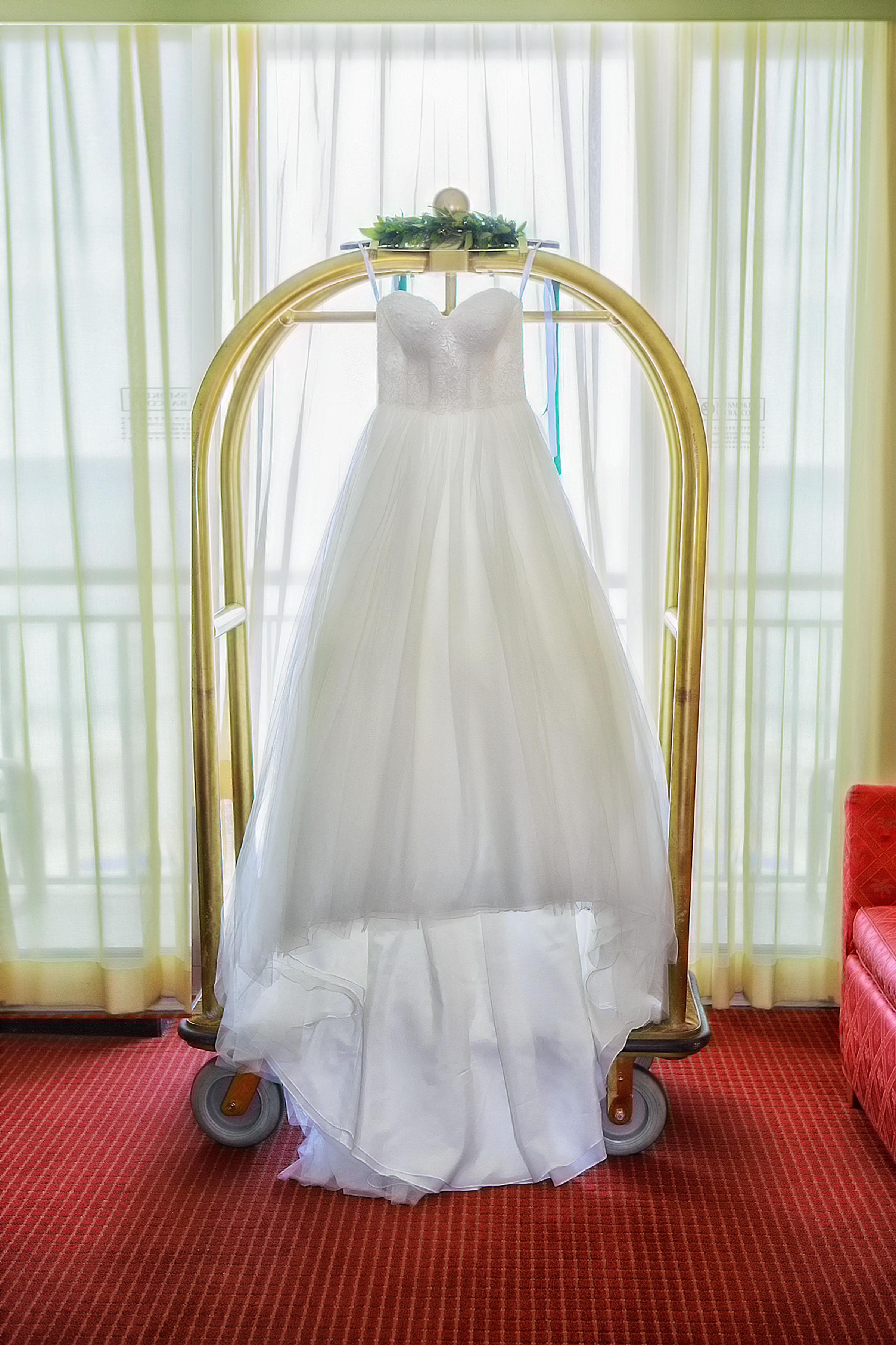 North_Carolina_Wedding_Photographer_Tiffany_Abruzzo_Girls Prep_012.jpg