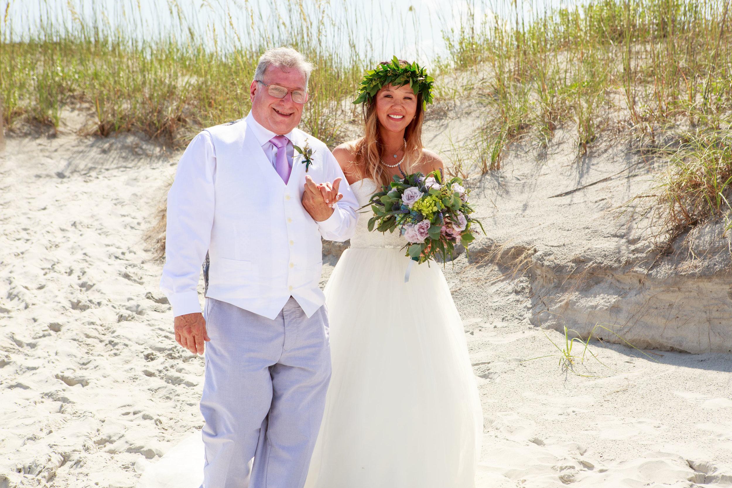 North_Carolina_Wedding_Photographer_Tiffany_Abruzzo_Ceremony_17.jpg