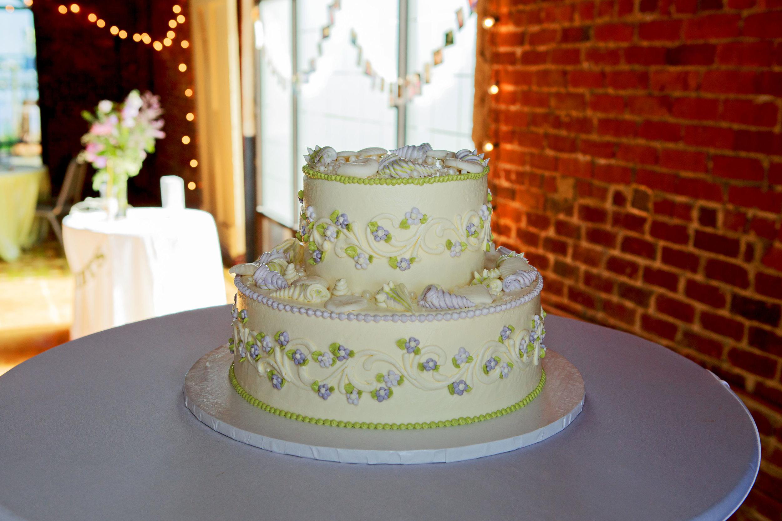 North_Carolina_Wedding_Photographer_Tiffany_Abruzzo_Reception_4.jpg