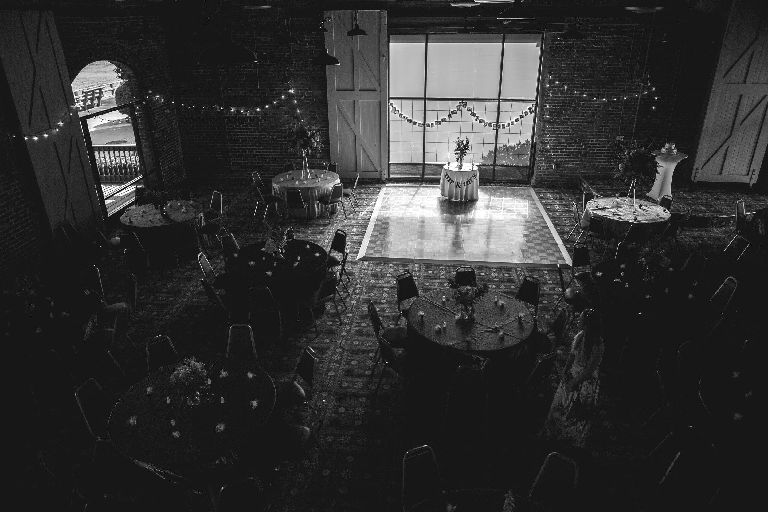 North_Carolina_Wedding_Photographer_Tiffany_Abruzzo_Reception_11.jpg