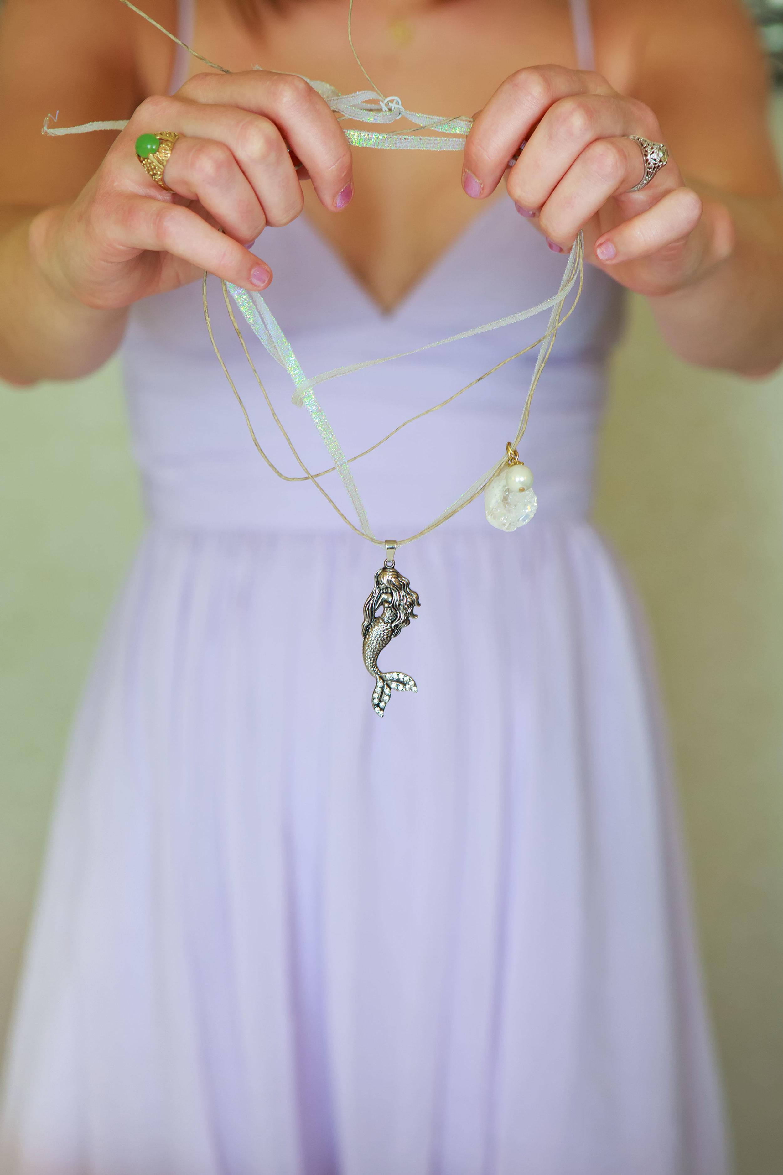 North_Carolina_Wedding_Photographer_Tiffany_Abruzzo_Girls Prep_011.jpg