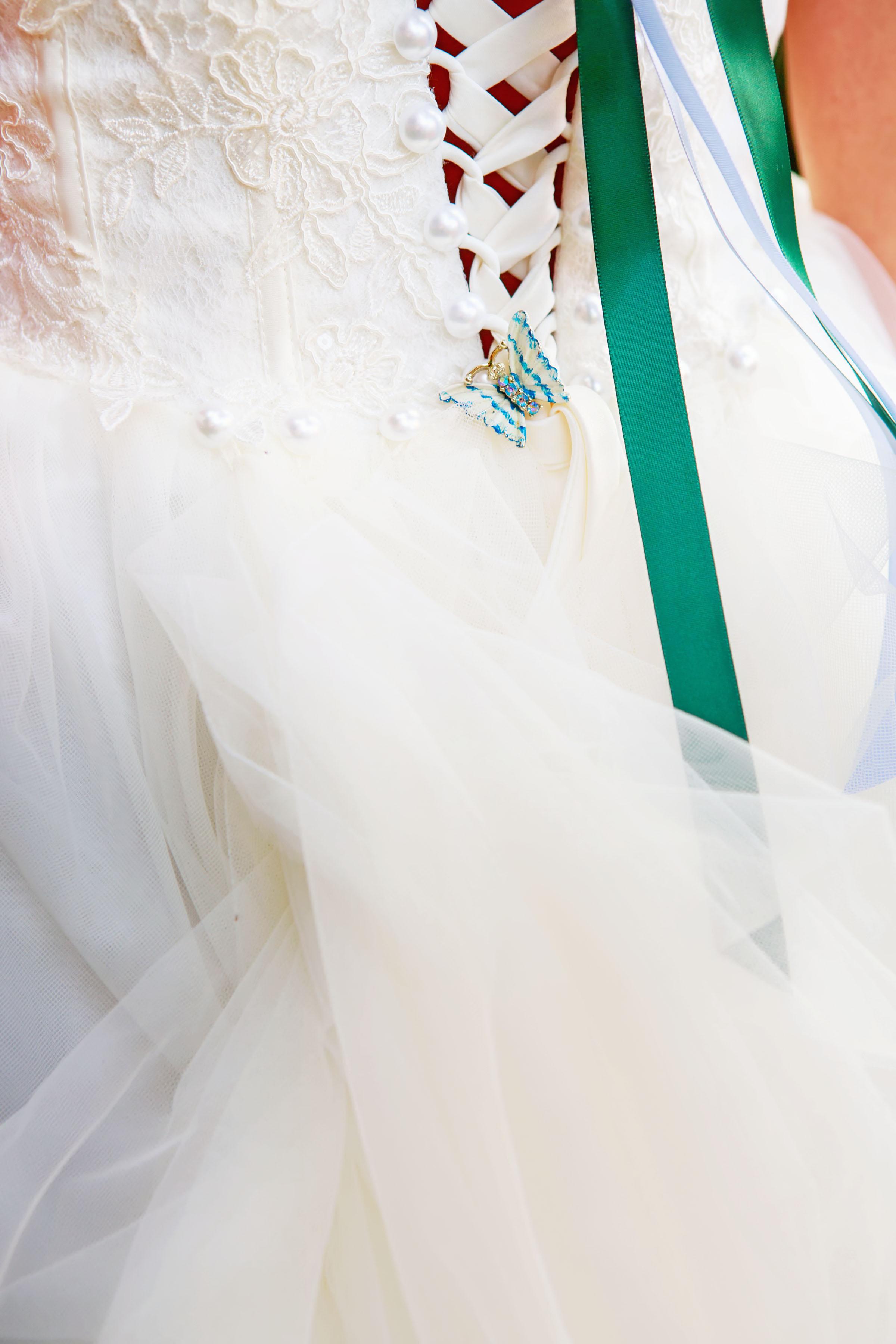 North_Carolina_Wedding_Photographer_Tiffany_Abruzzo_Bride&Groom_14.jpg