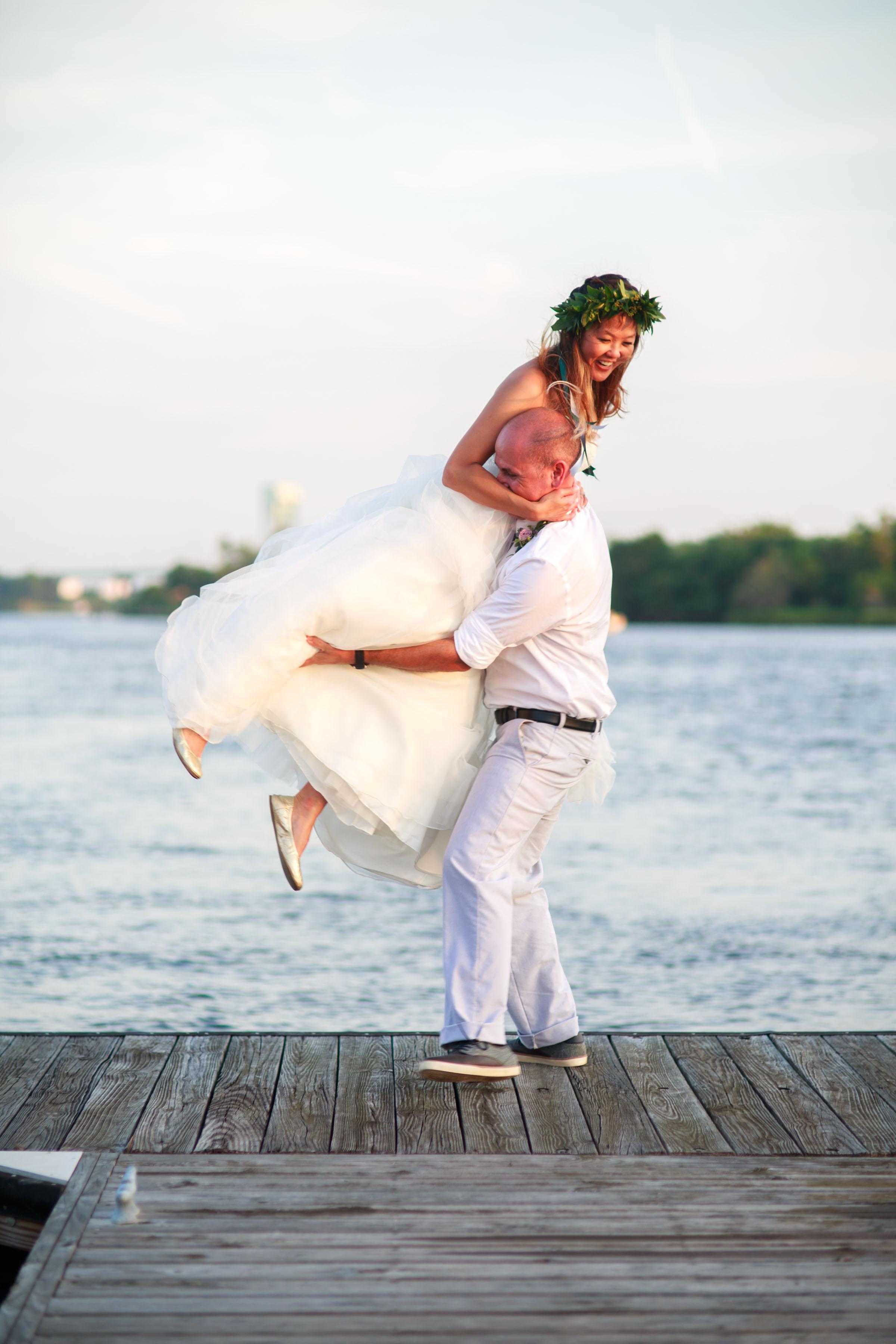North_Carolina_Wedding_Photographer_Tiffany_Abruzzo_Bride&Groom_44.jpg