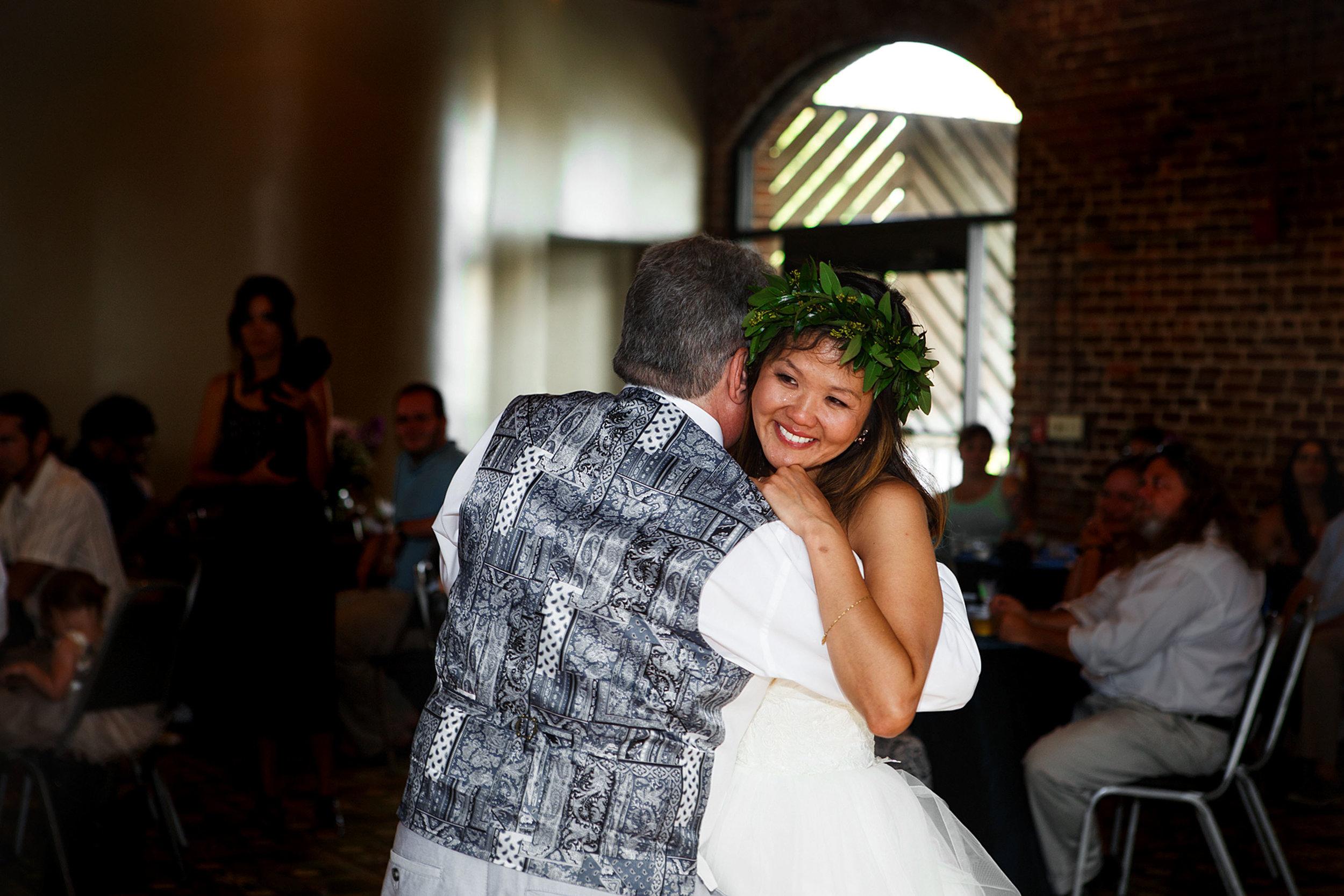 North_Carolina_Wedding_Photographer_Tiffany_Abruzzo_Reception_011.jpg