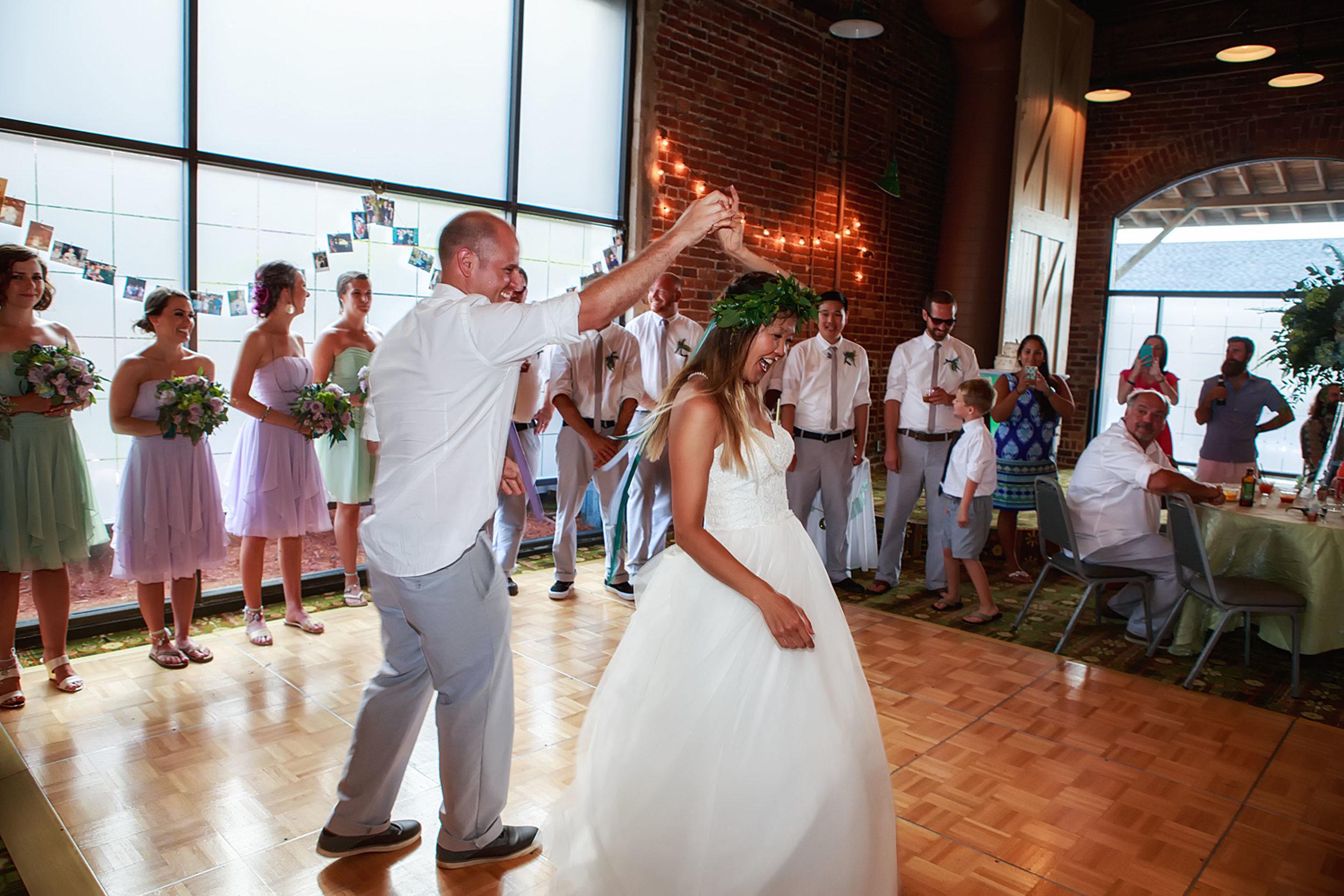 North_Carolina_Wedding_Photographer_Tiffany_Abruzzo_Reception_012.jpg